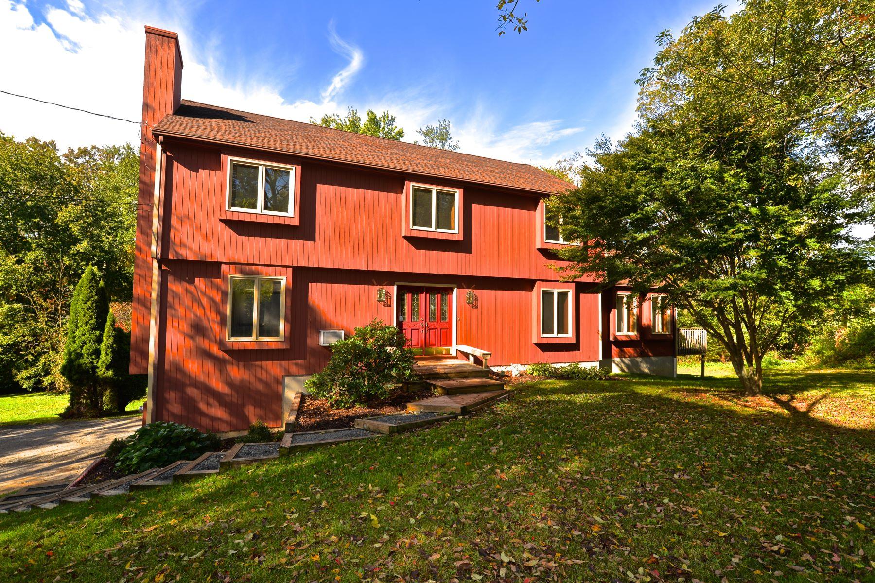 Eensgezinswoning voor Verkoop op Updated Colonial 12 Hank Becker Lane, Bridgewater, Connecticut 06752 Verenigde Staten