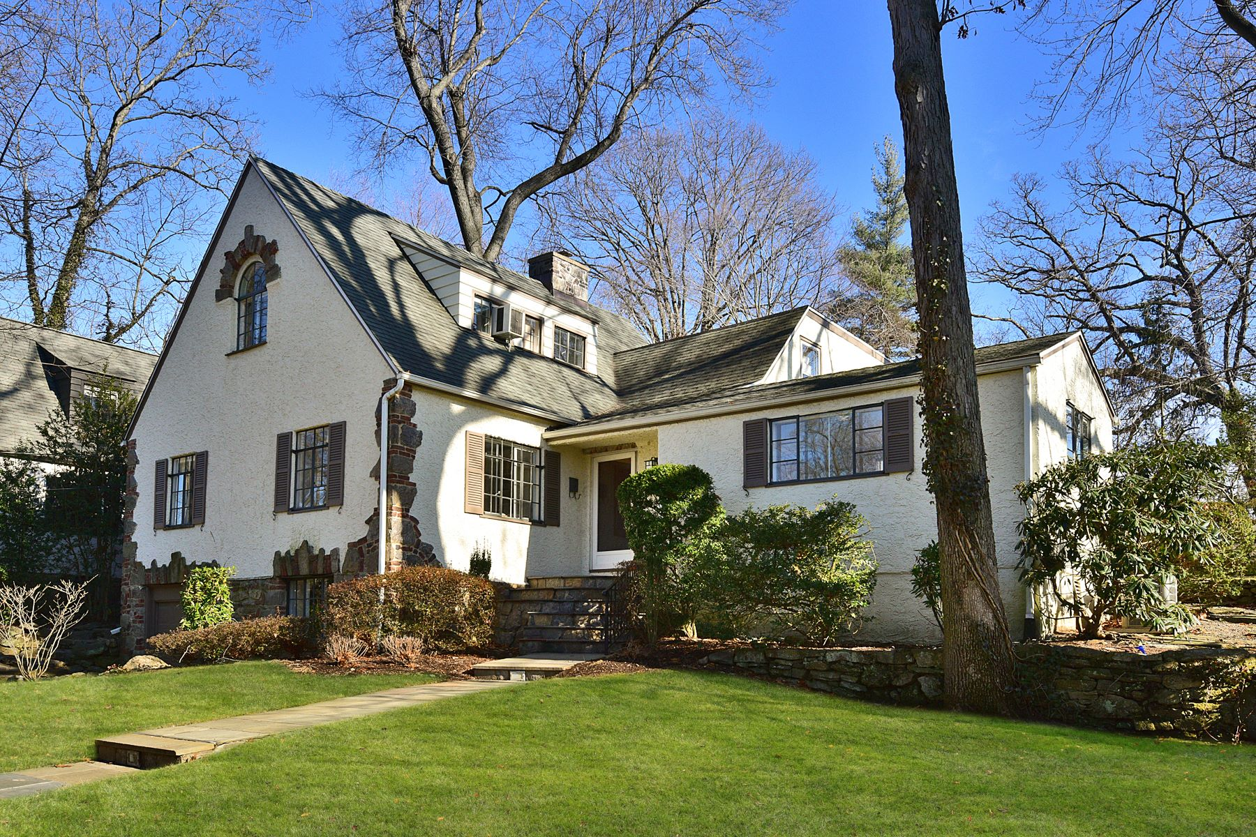 Single Family Home for Sale at Downtown Village Charmer 3 Concord Avenue, Larchmont, New York, 10538 United States