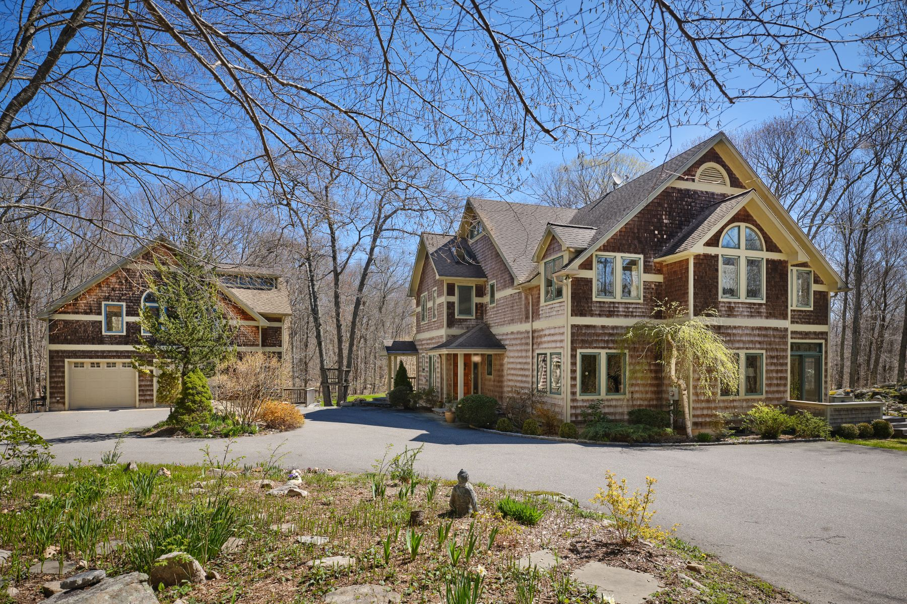 Single Family Homes for Sale at Private Country Home, Stonington, CT 17 Back Acres Way Stonington, Connecticut 06378 United States