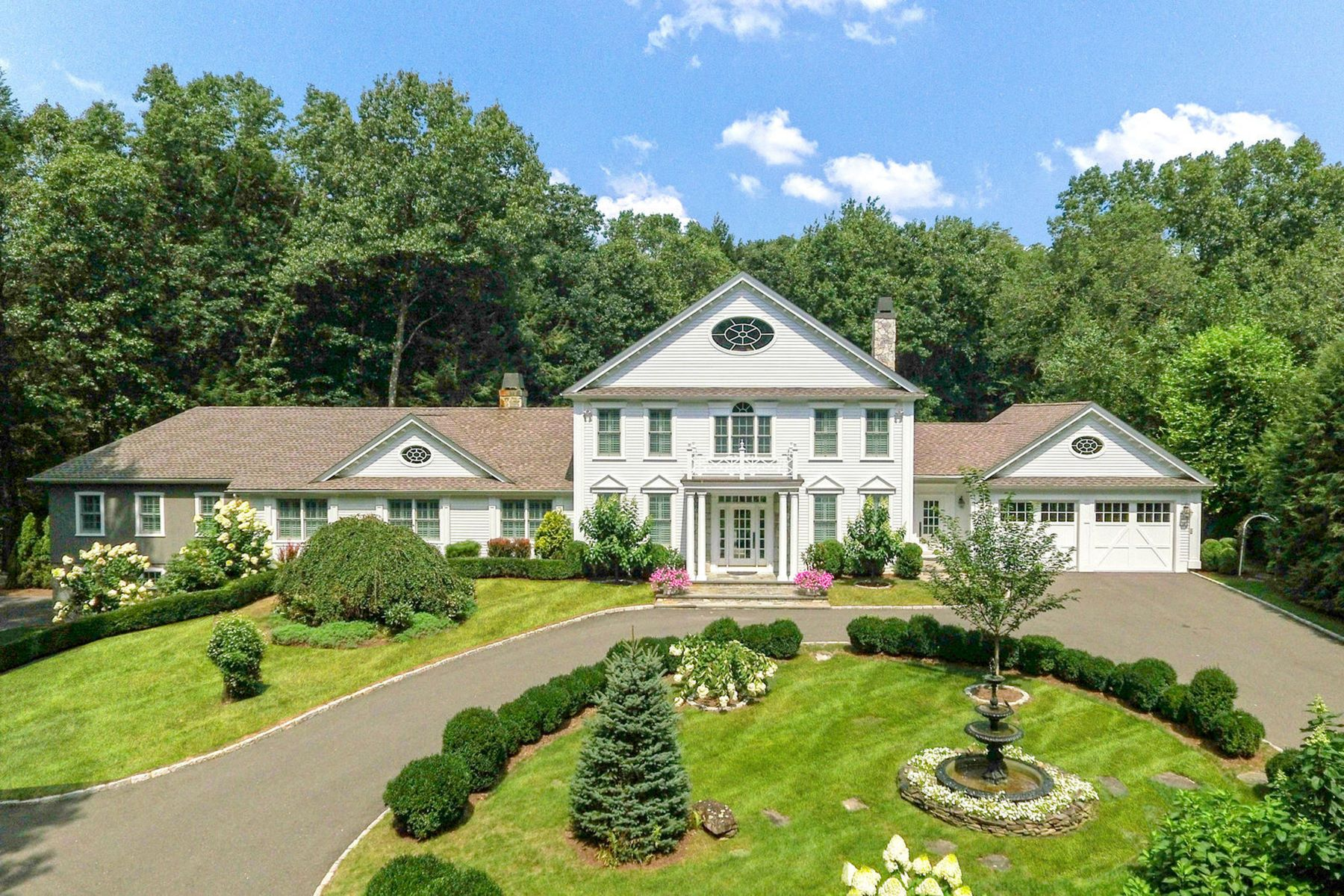 Single Family Homes for Sale at Elegant Colonial in Private Setting 18 Minor Bridge Road Roxbury, Connecticut 06783 United States