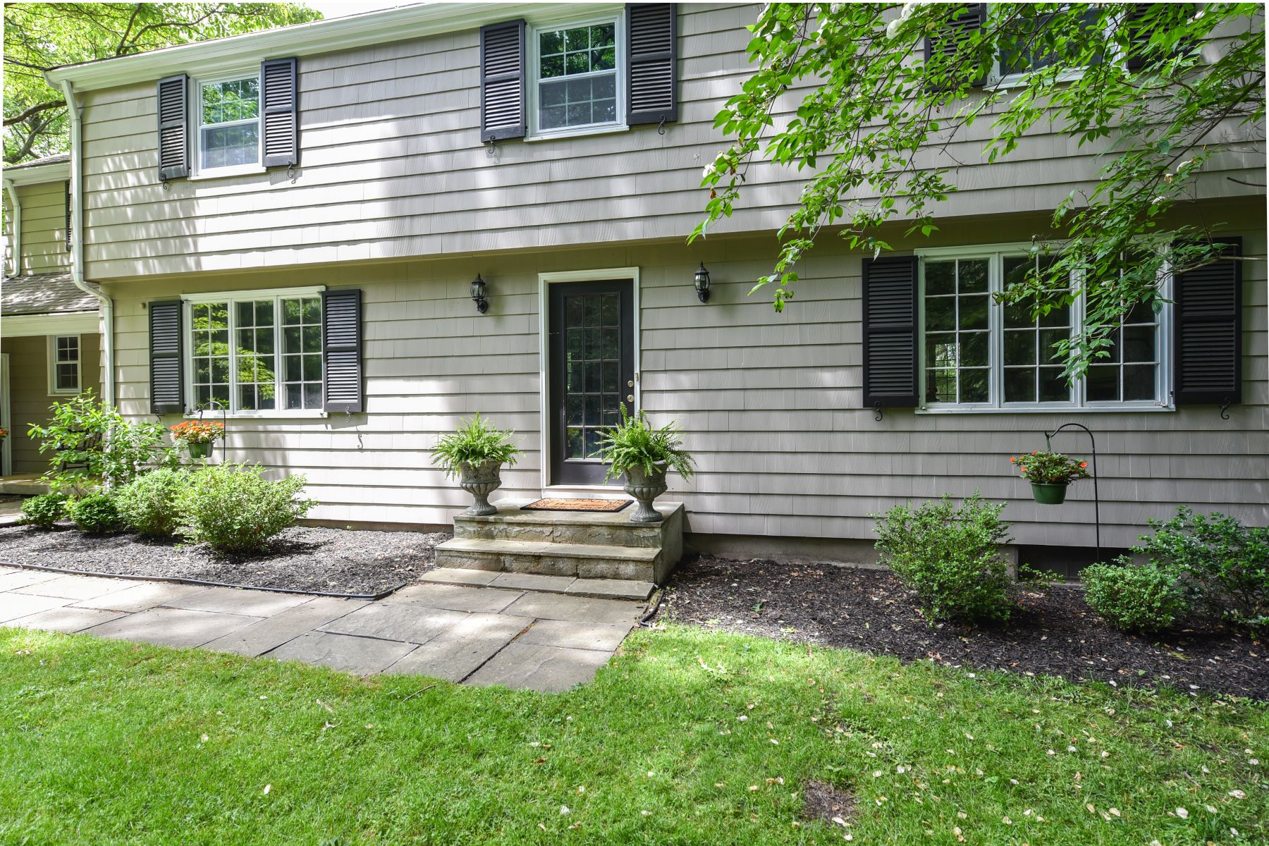 Single Family Homes for Sale at 11 Highwood Drive Avon, Connecticut 06001 United States