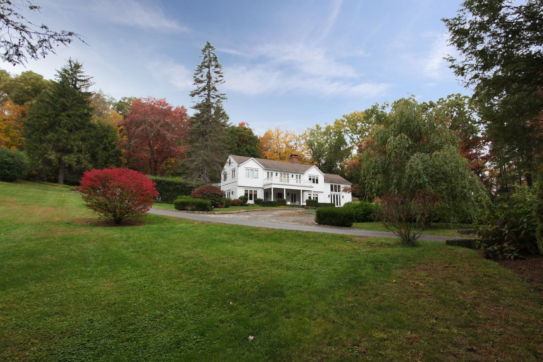 Single Family Homes للـ Sale في Gracious Country Estate with Guest House and In-Ground Pool 2 Blackberry Lane, Sherman, Connecticut 06784 United States