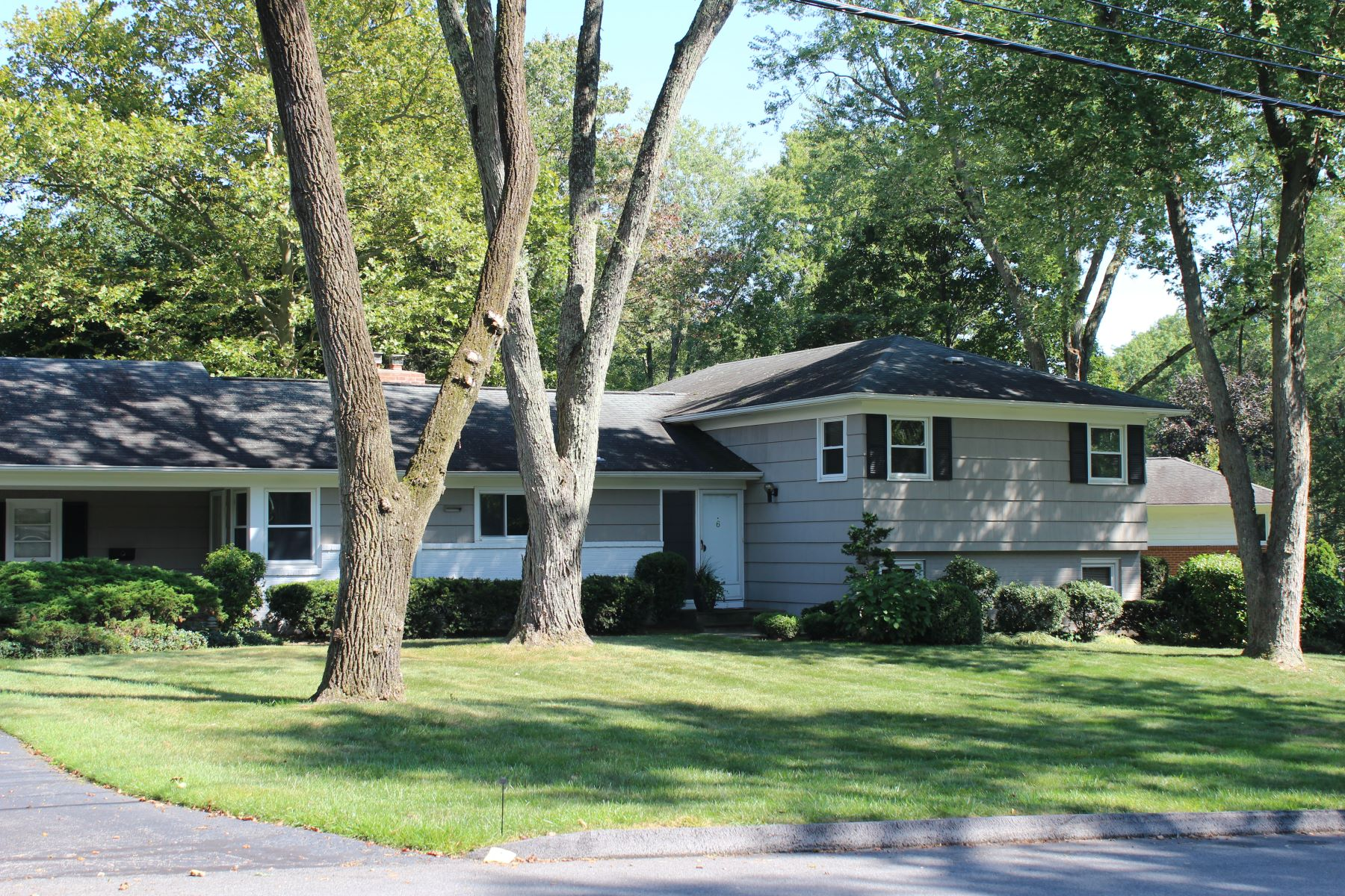 Single Family Homes for Sale at 6 Dorchester Drive Rye Brook, New York 10573 United States