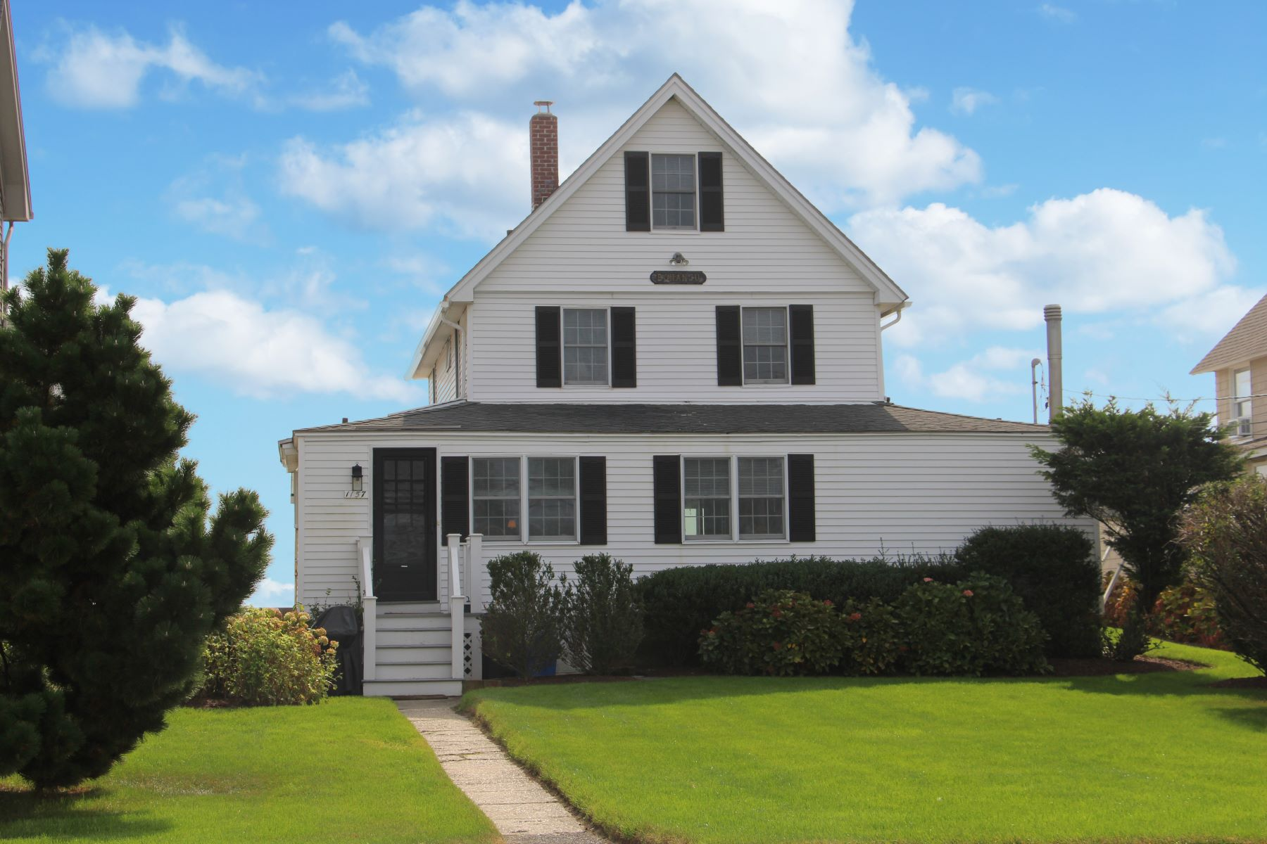 Single Family Home for Sale at 1157 Fairfield Beach Road 1157 Fairfield Beach Road Fairfield, Connecticut 06824 United States
