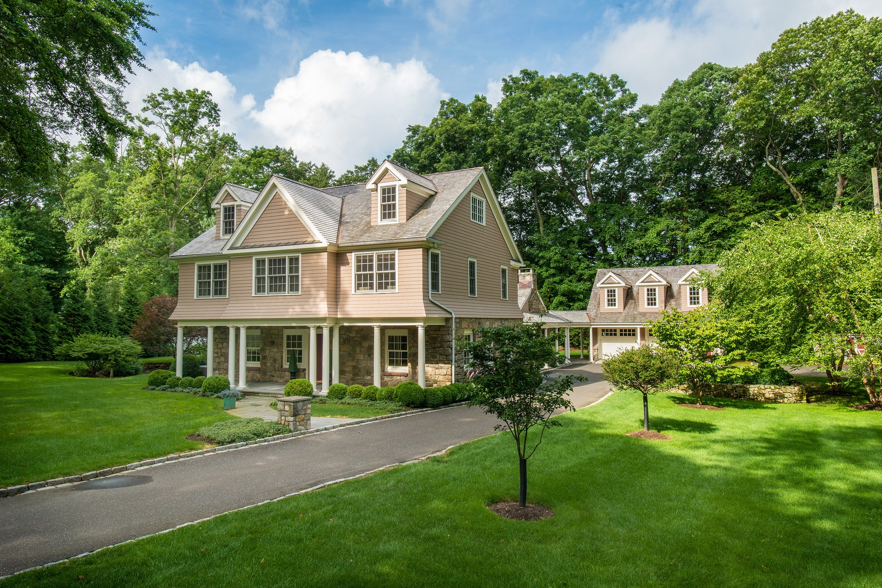 Single Family Homes للـ Sale في Norwalk, Connecticut 06854 United States