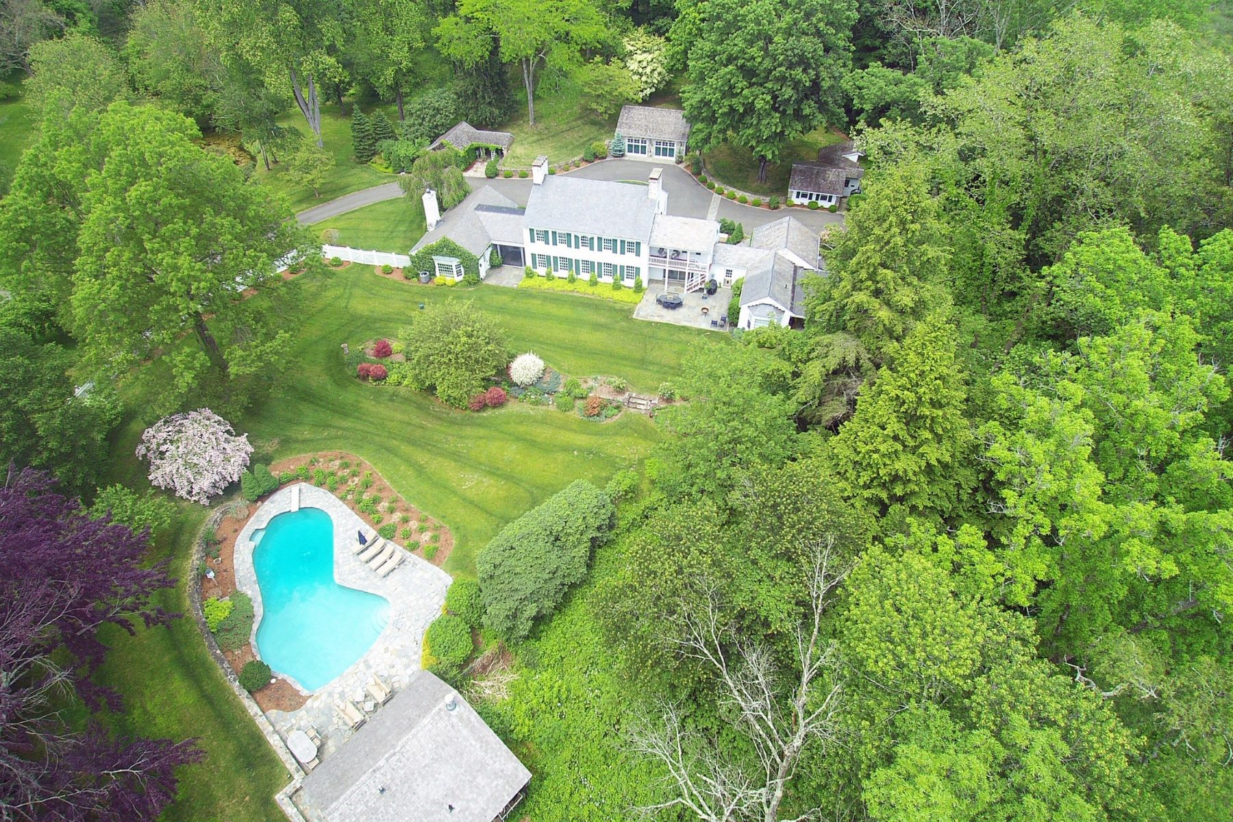 Single Family Homes por un Venta en Spectacular Country Estate 36 Chestnut Woods Road Redding, Connecticut 06896 Estados Unidos