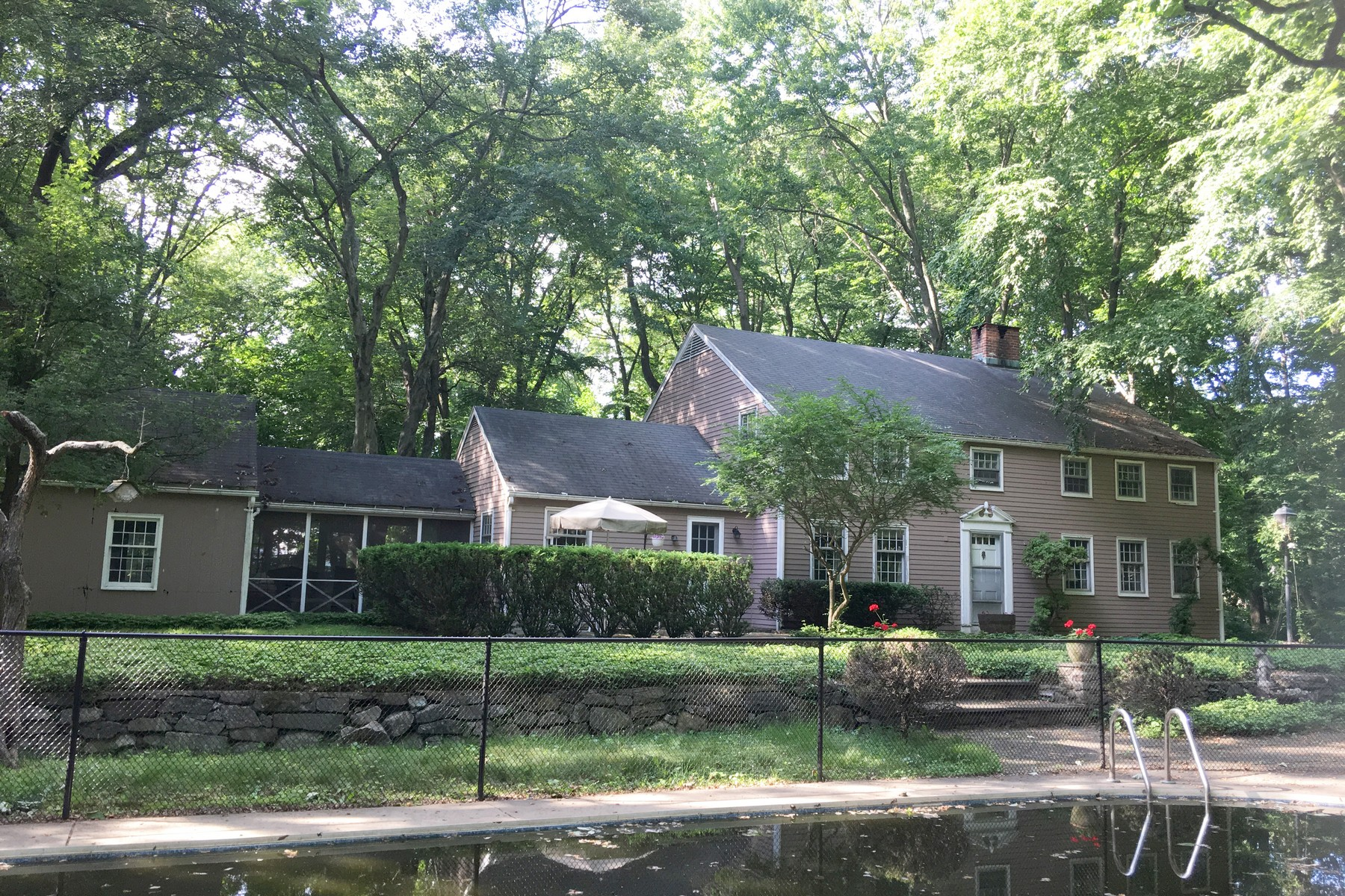 Land voor Huren op Opportunity Knocks! 107 Old Road Westport, Connecticut 06880 Verenigde Staten