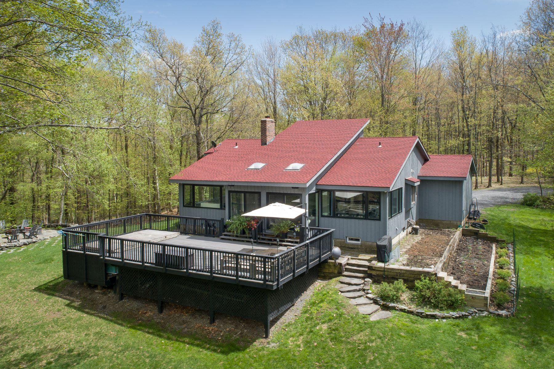Casa Unifamiliar por un Venta en Private and Pristine Contemporary Country Home 40 Sabeff Rd Hillsdale, Nueva York 12529 Estados Unidos