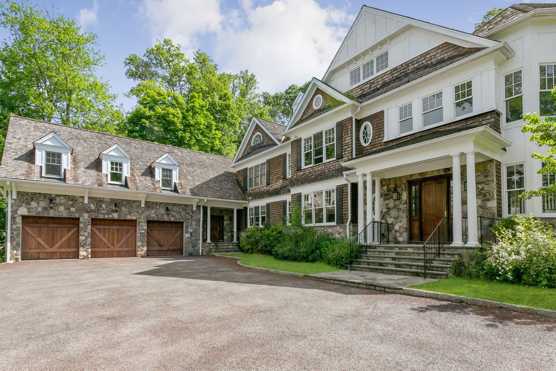 Single Family Homes 為 出售 在 Luxurious Hilltop Oasis 80 Sheather Road, Bedford Corners, 纽约 10549 美國