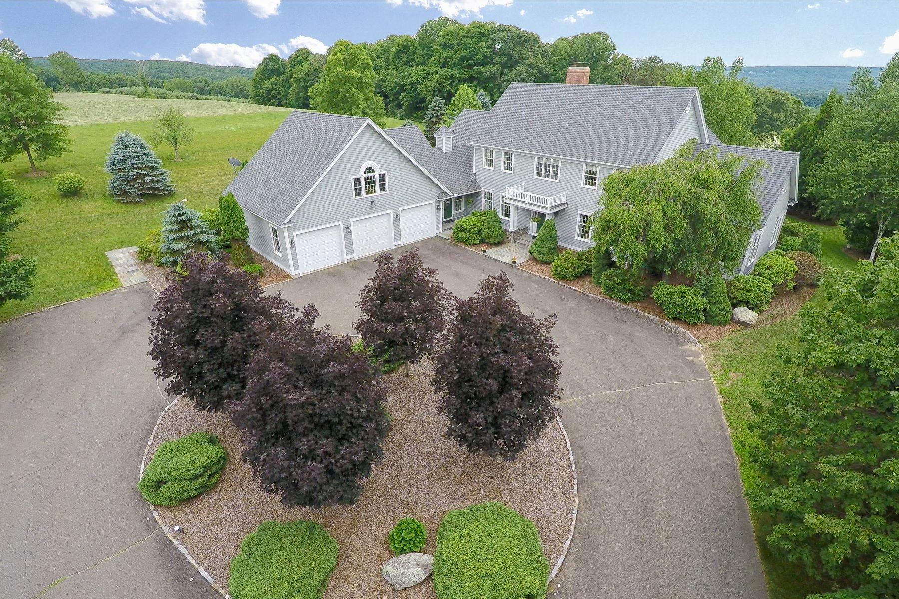 Maison unifamiliale pour l Vente à Exclusive Estate 162 Middle Road Tpke Woodbury, Connecticut, 06798 États-Unis