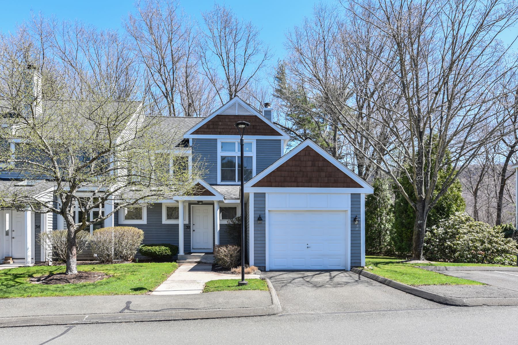 condominiums for Sale at 32 Riverwalk Drive 32, Simsbury, Connecticut 06089 United States