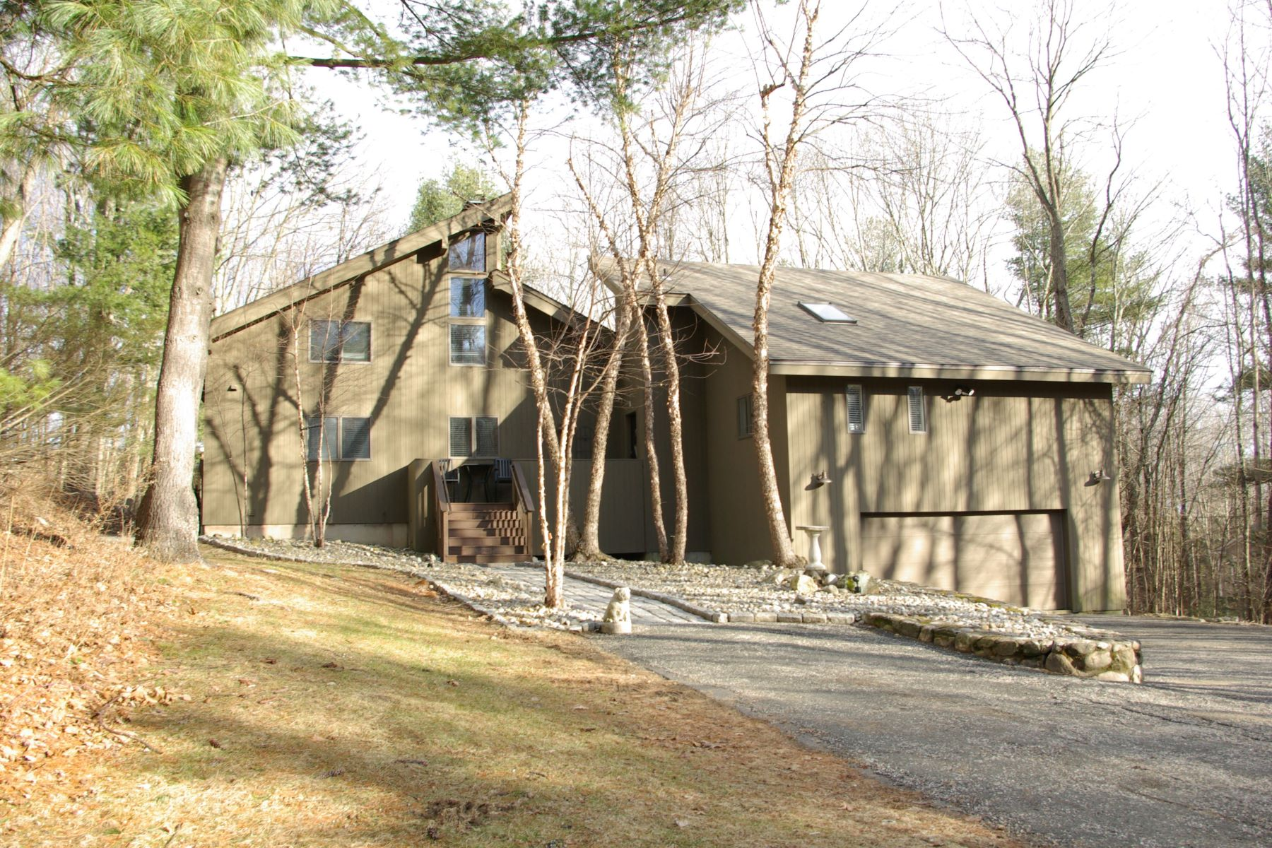 단독 가정 주택 용 매매 에 Enjoy Country Club Living 157 Bentley Circle, Goshen, 코네티컷, 06756 미국