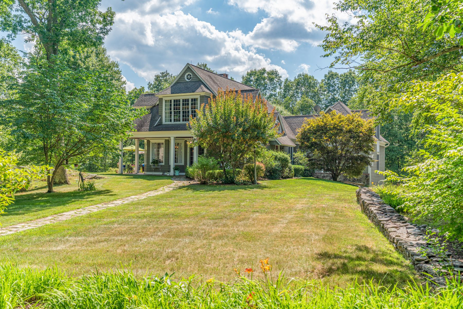 Single Family Homes للـ Sale في Shingle Style Farmhouse with Pool on 7+ Acres 15 Judge Road, Roxbury, Connecticut 06783 United States