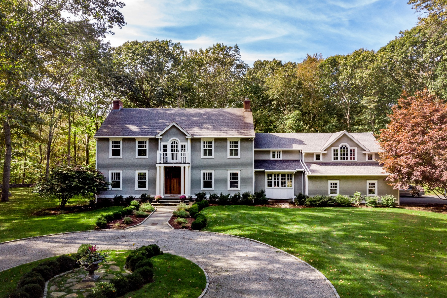 Single Family Home for Sale at Impressive Home on End of Cul-de-Sac 14 Stonewood Dr Old Lyme, Connecticut 06371 United States