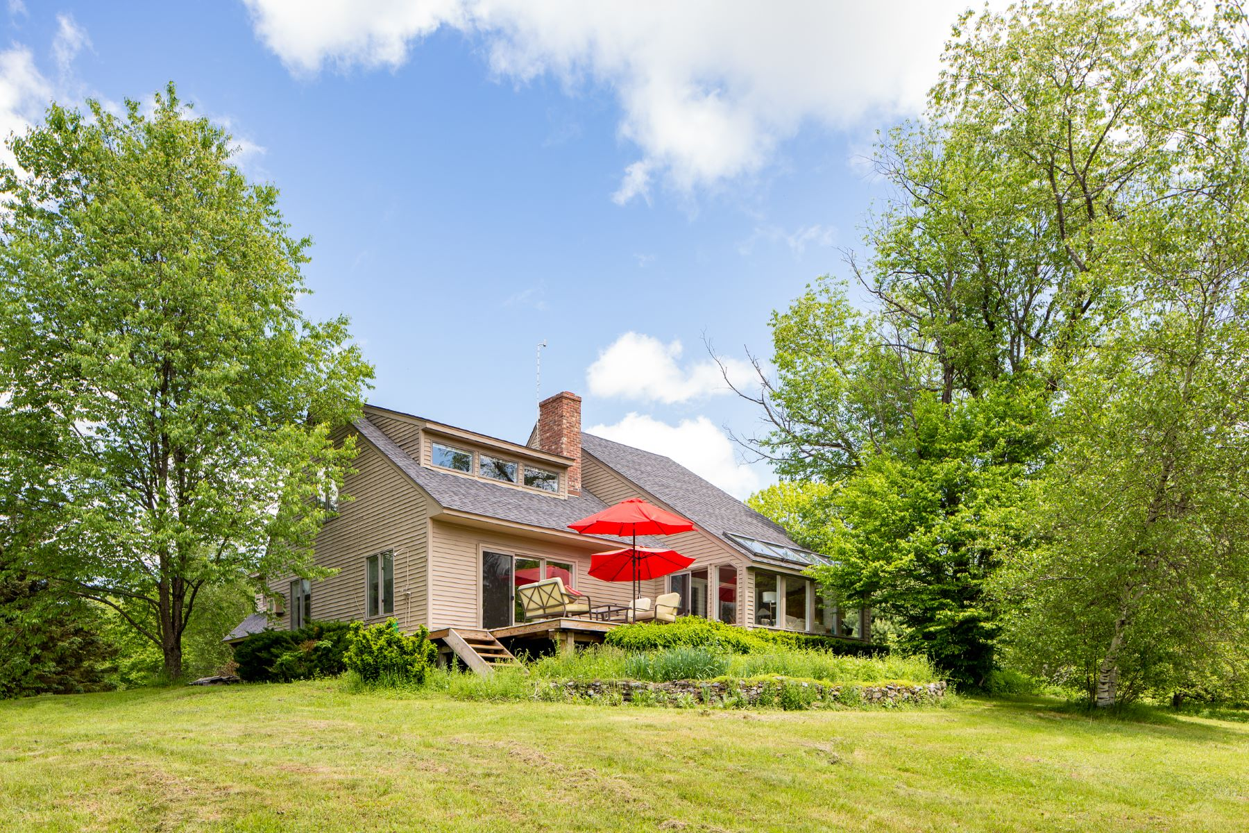 Casa Unifamiliar por un Venta en Renovated Country Home 128 West Center Rd West Stockbridge, Massachusetts 01266 Estados Unidos