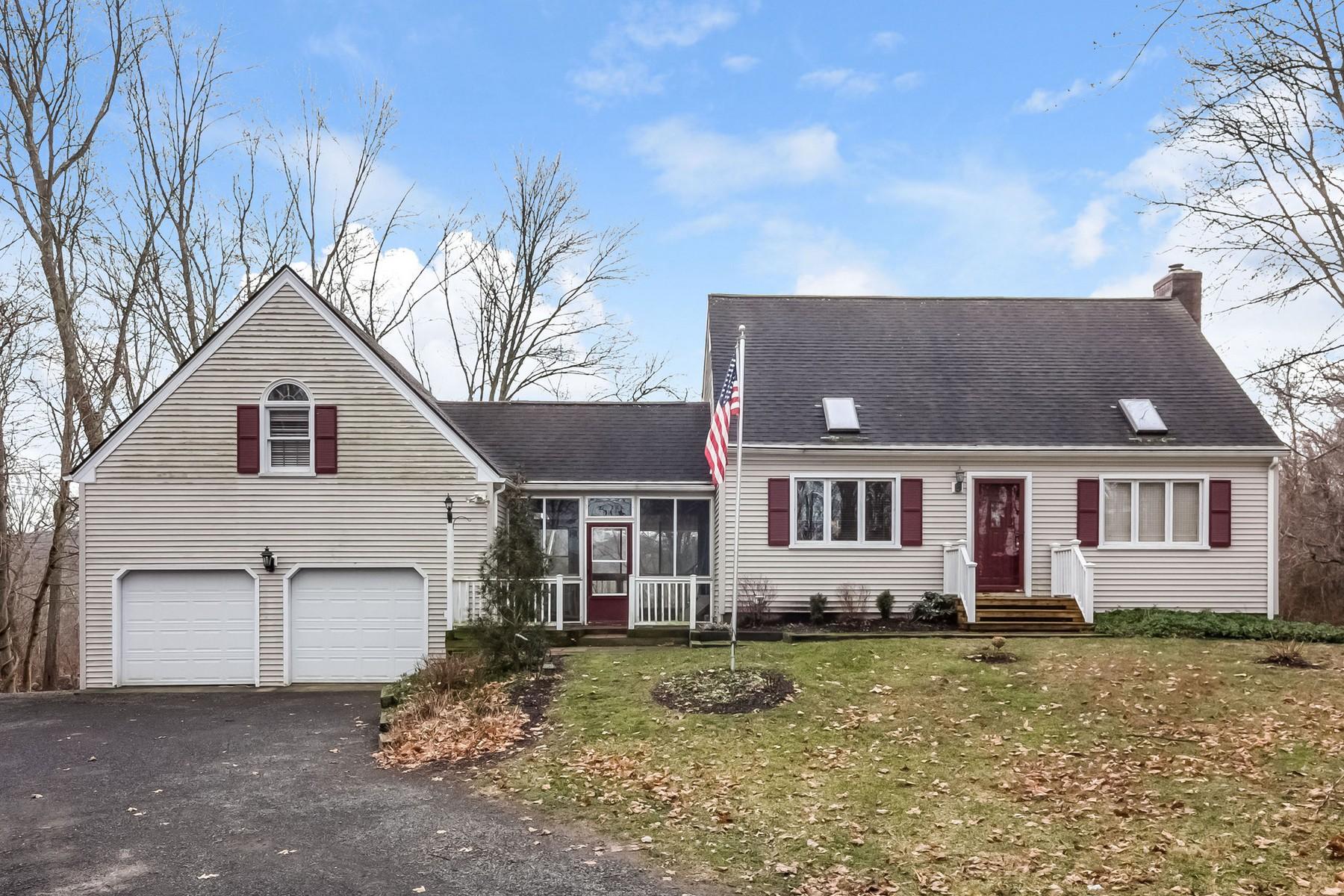 Maison unifamiliale pour l Vente à Walk to Marina 6 Marina View Dr Chester, Connecticut, 06412 États-Unis