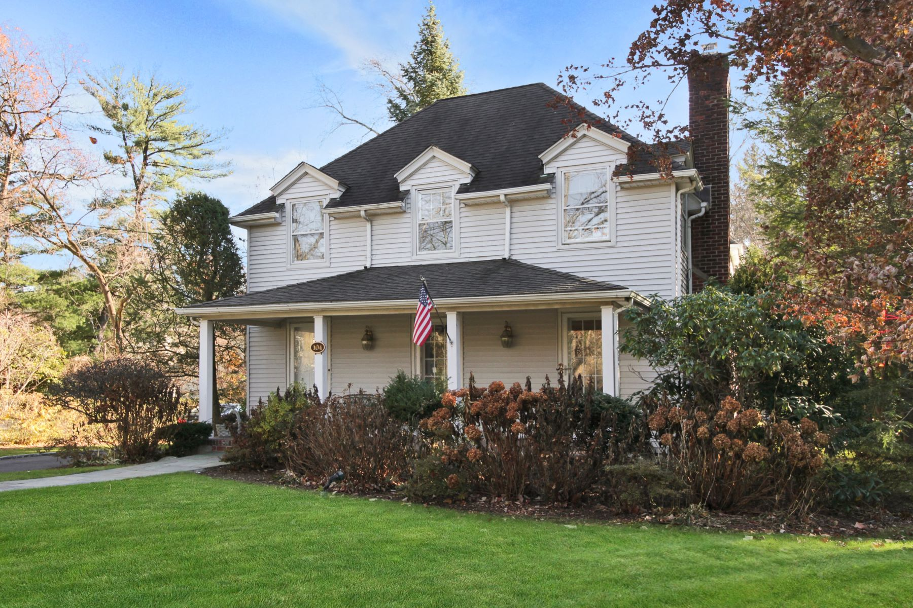 Single Family Home for Sale at Immaculate Home in Scarsdale 104 Garden Road, Scarsdale, New York, 10583 United States
