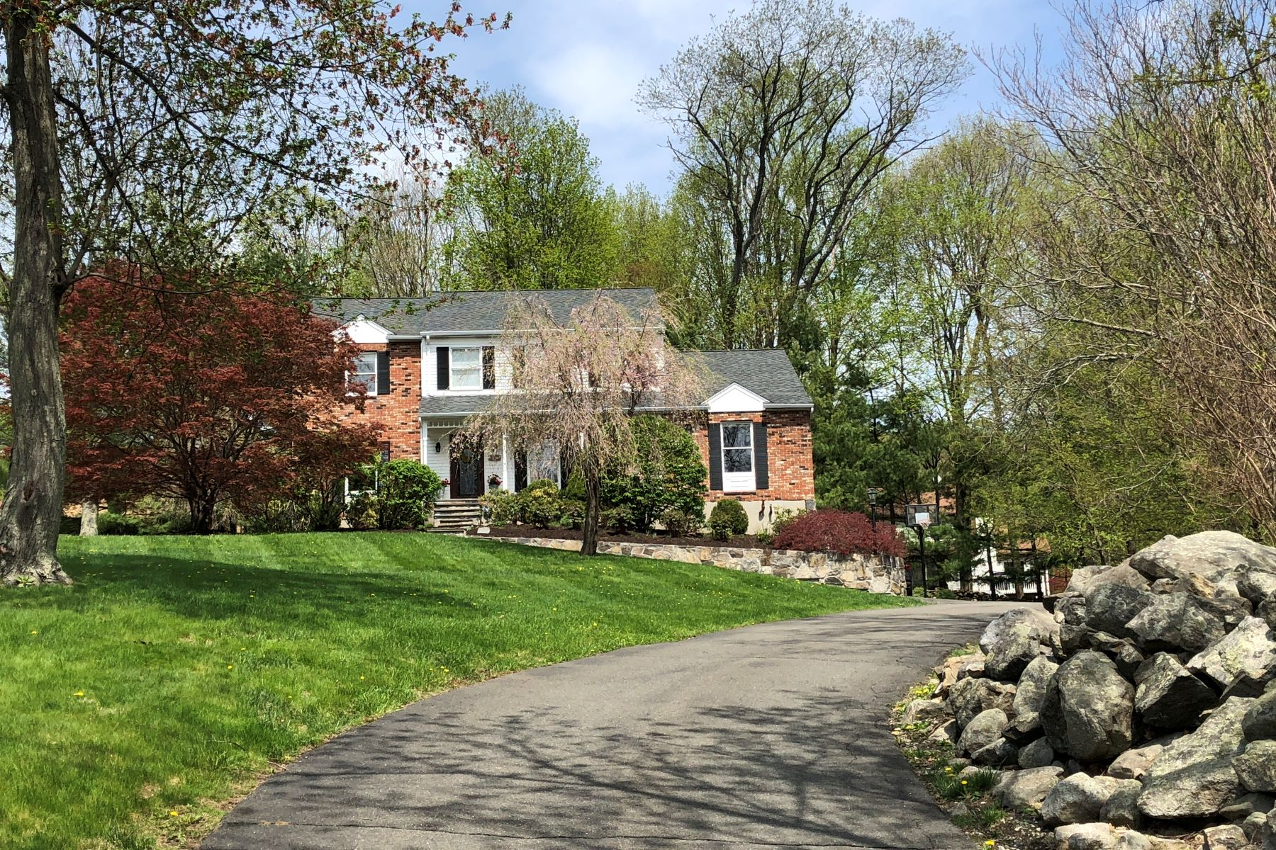 Maison unifamiliale pour l Vente à Casual Living And Relaxed Elegance 33 Tanglewood Drive Danbury, Connecticut 06811 États-Unis