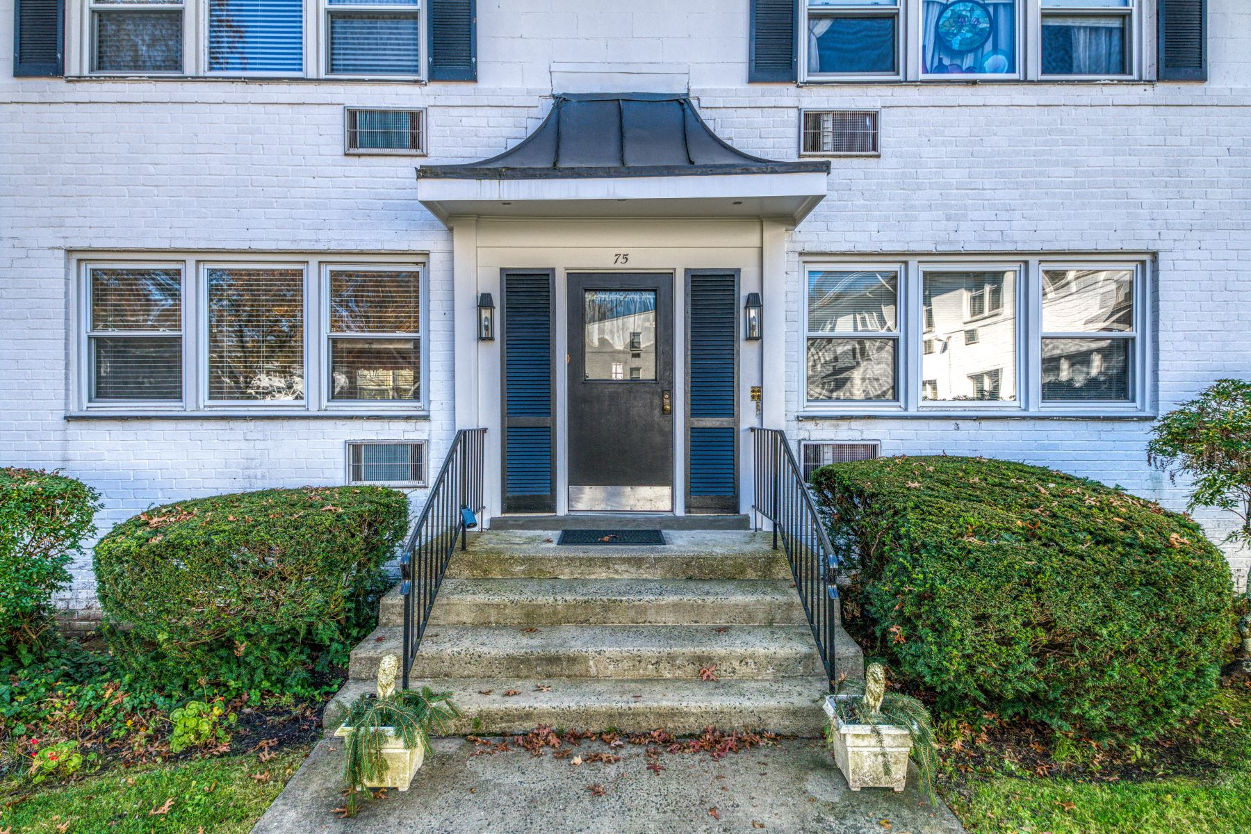 for Sale at 75 Avon Circle A Rye Brook, New York 10573 United States