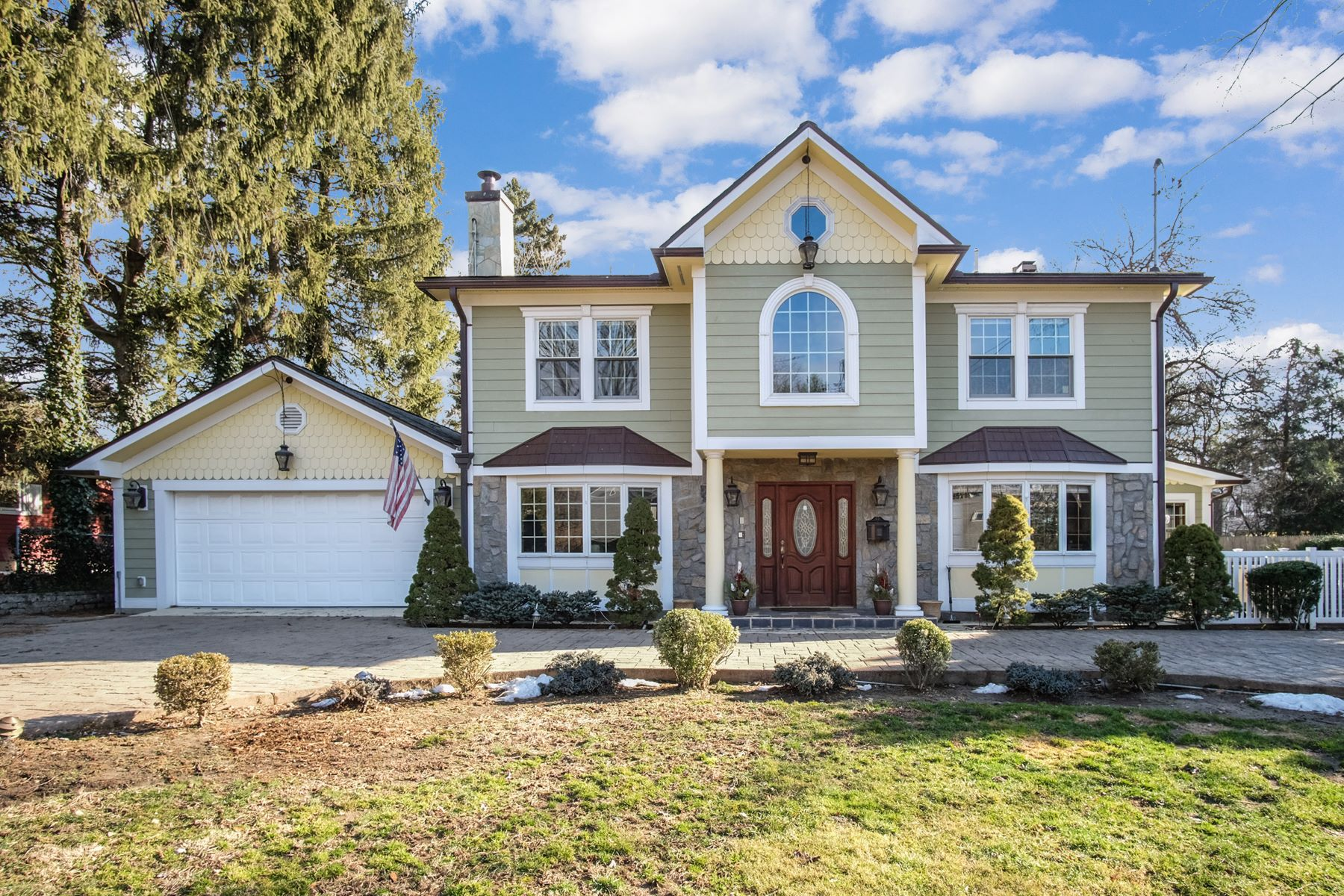 Single Family Homes for Active at 15 Brook Lane Rye Brook, New York 10573 United States