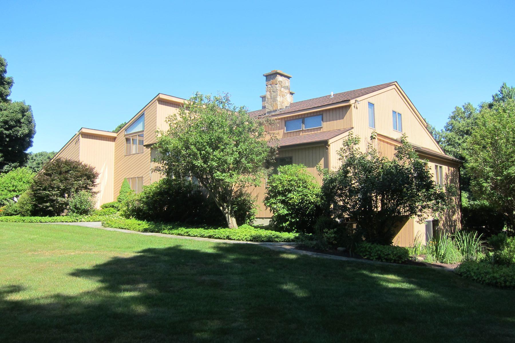 Частный односемейный дом для того Продажа на 15 Westwood Drive 15 Westwood Drive Easton, Коннектикут 06612 Соединенные Штаты