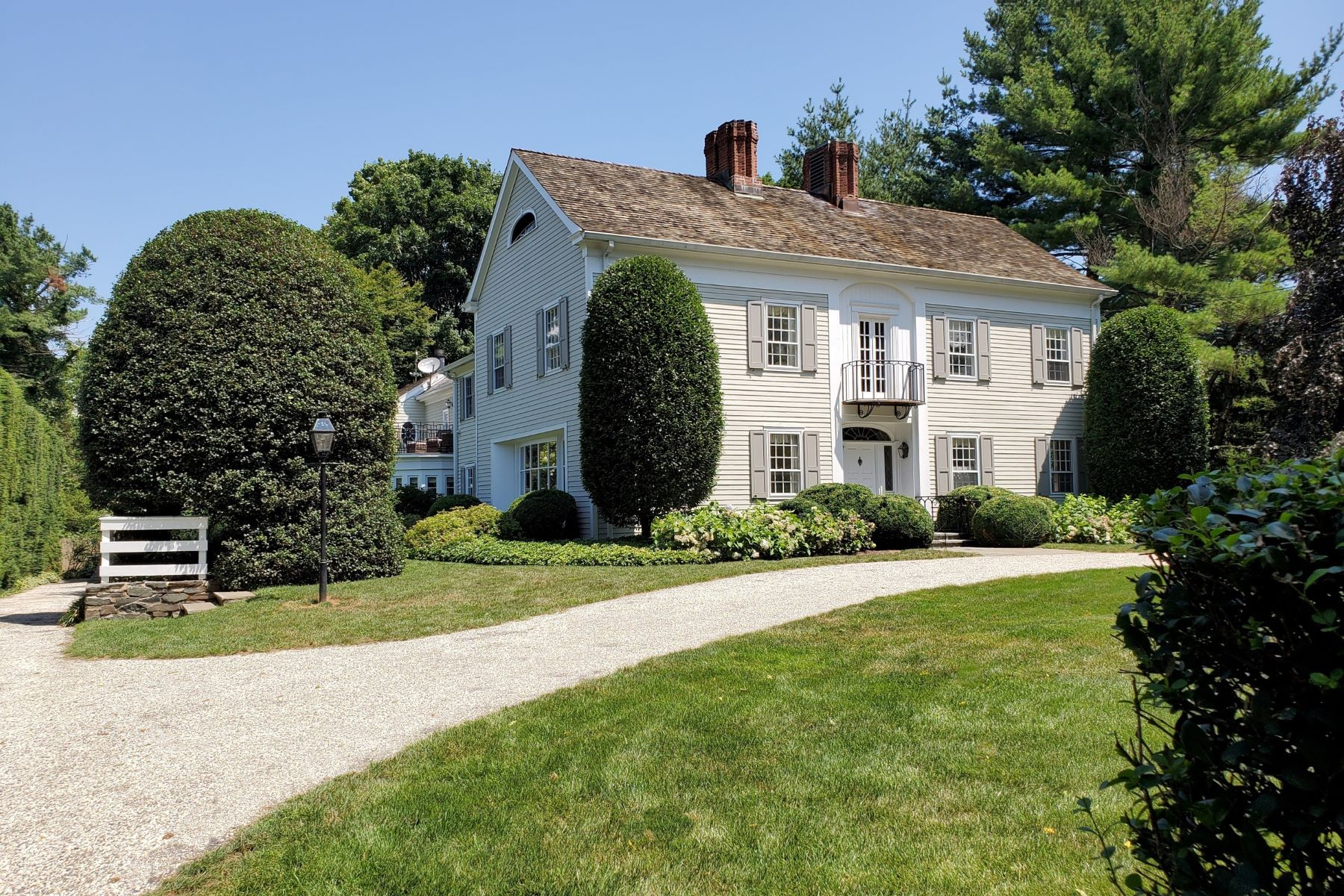 Single Family Homes for Sale at Classic 5 Bed Colonial 60 Chester Place, Fairfield, Connecticut 06890 United States