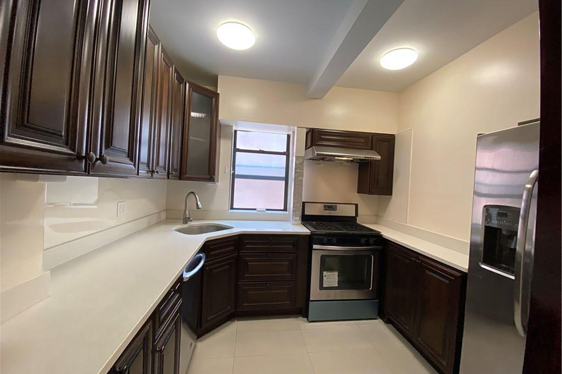 Co-op Properties 為 出售 在 Beautiful Newly Renovated 1 Bedroom CoOp 11 Columbia Avenue, B1, Hartsdale, 纽约 10530 美國