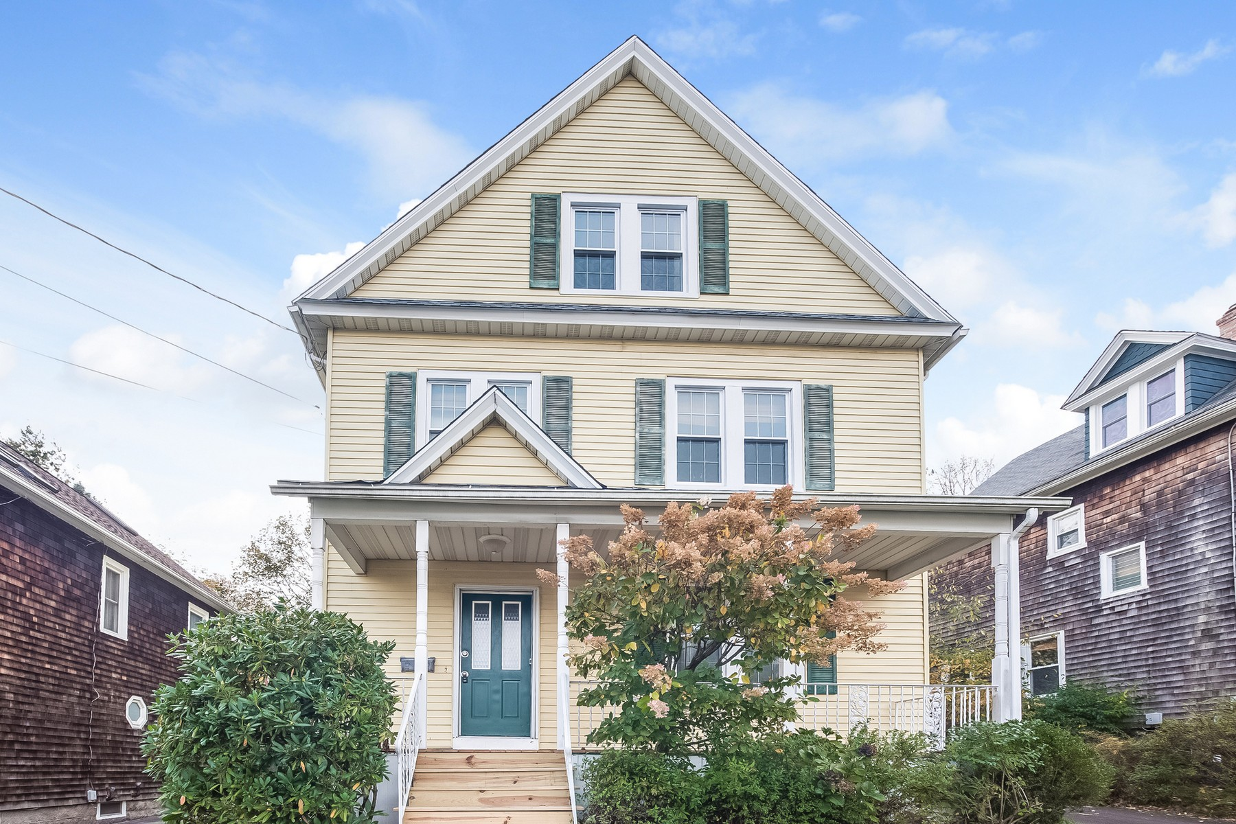 Single Family Home for Sale at One of a kind charm 32 Harris Road New London, Connecticut 06320 United States