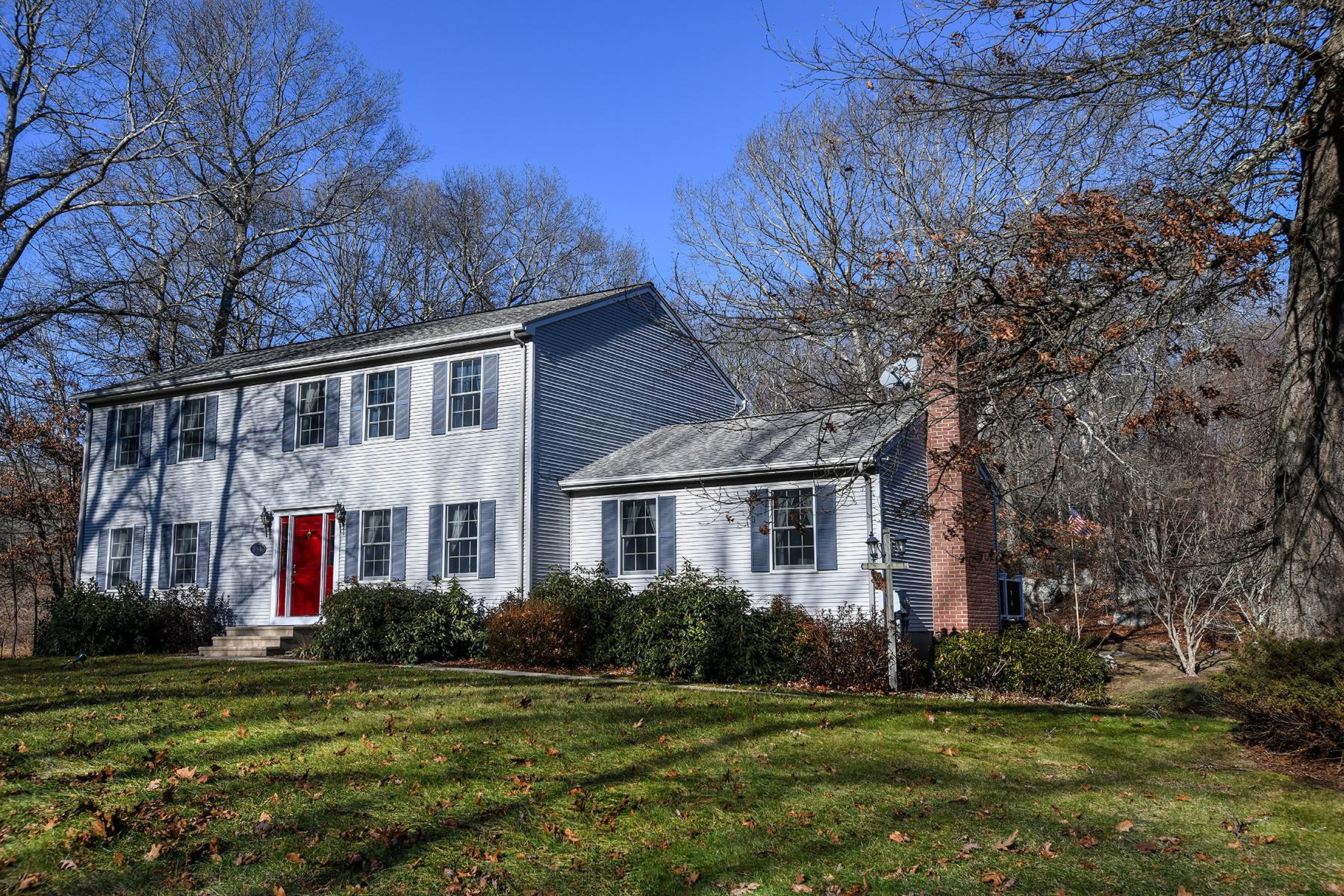Eensgezinswoning voor Verkoop op Spacious Colonial to Move Right Into! 834 Gungywamp Rd, Groton, Connecticut 06340 Verenigde Staten