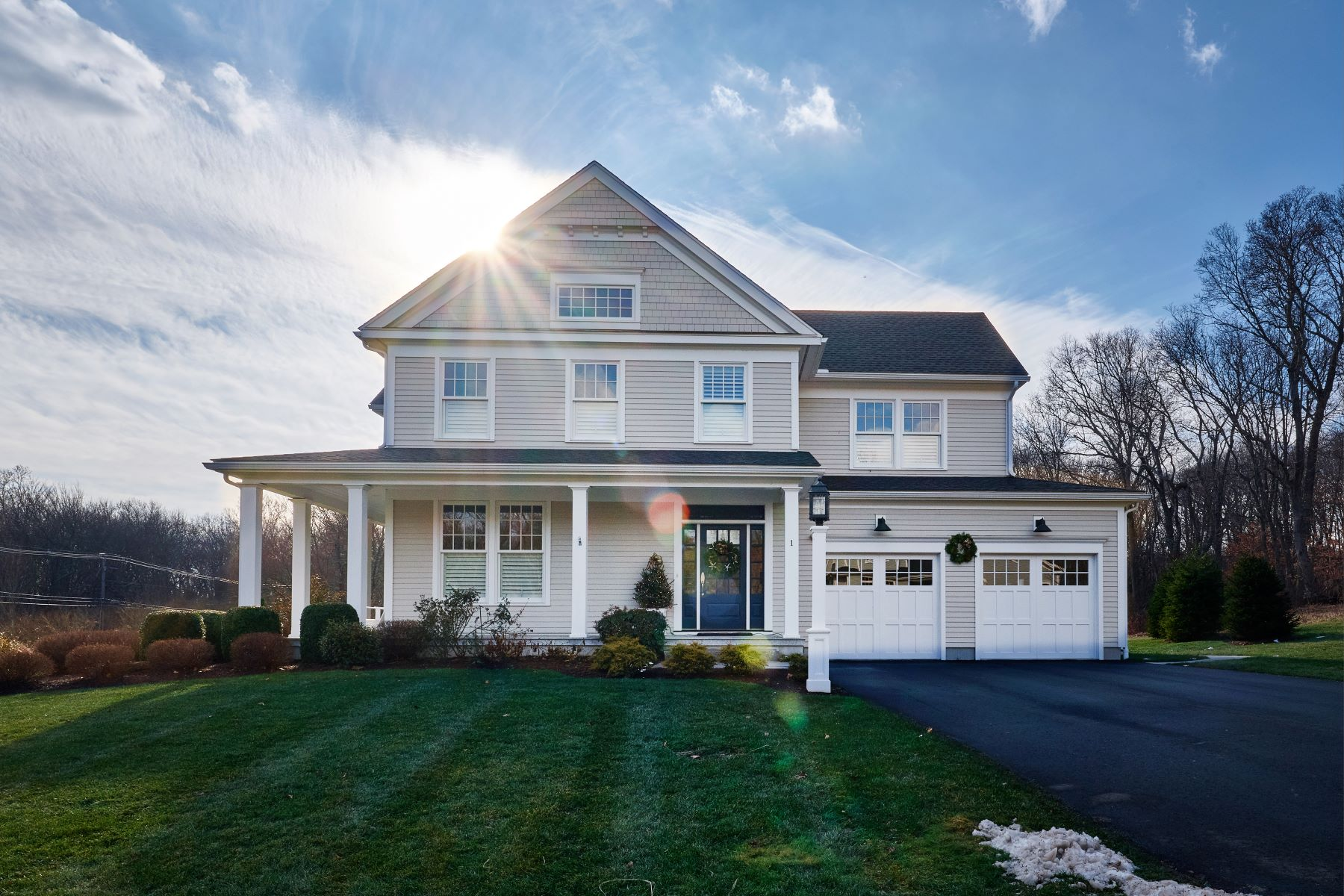 Single Family Home for Sale at Benton's Knoll in Sachem's Head 19 Benton's Knoll Guilford, Connecticut 06437 United States