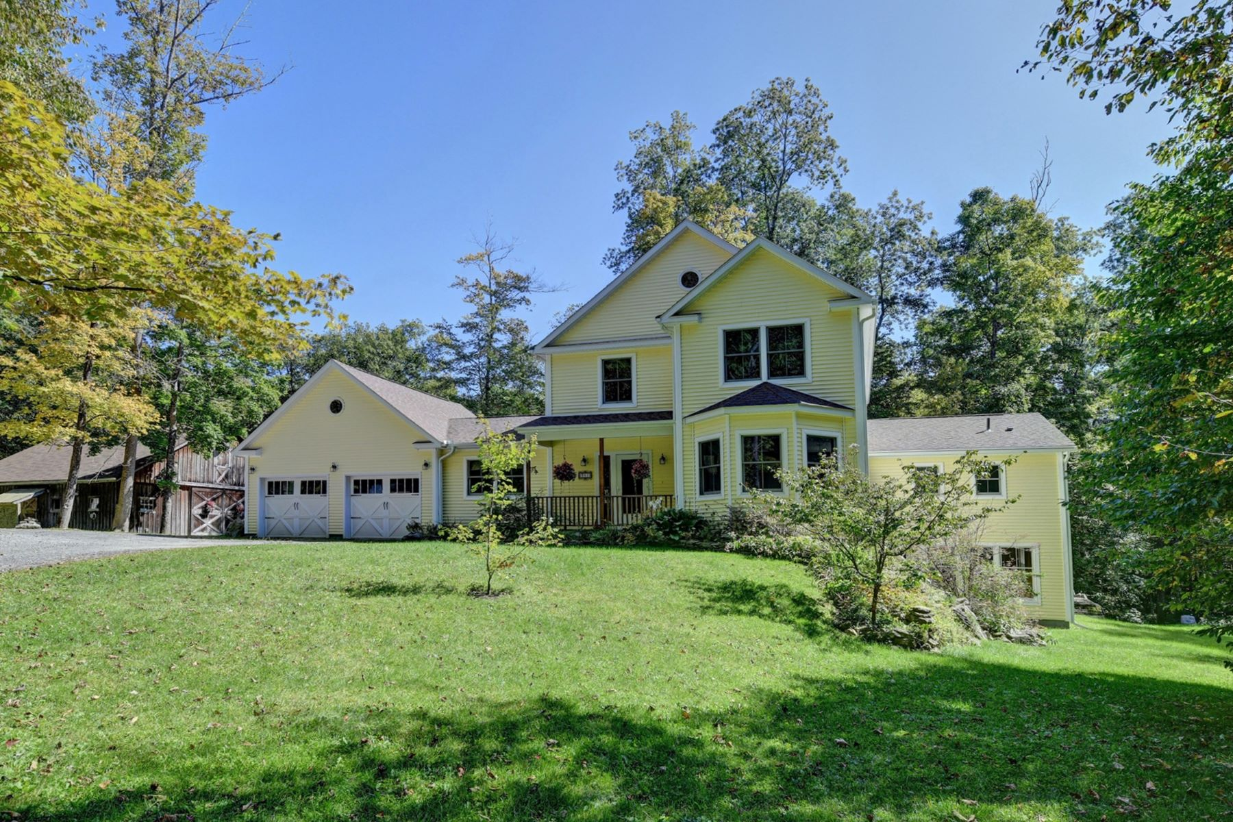 Single Family Homes 용 매매 에 Welcome to Singing Tree Farm 351 West Rd, Richmond, 매사추세츠 01254 미국
