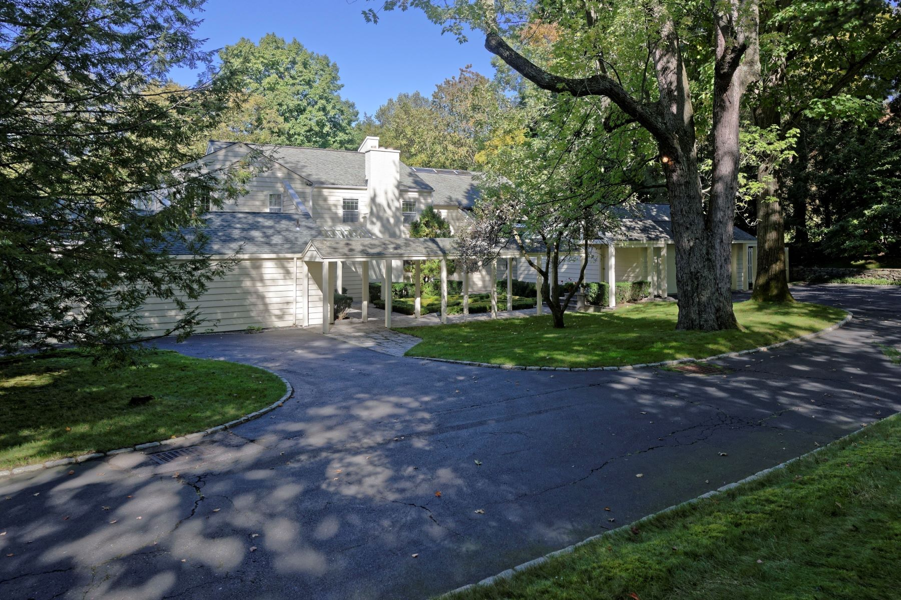 Villa per Vendita alle ore 20 Pleasant Ridge Road Harrison, New York, 10528 Stati Uniti