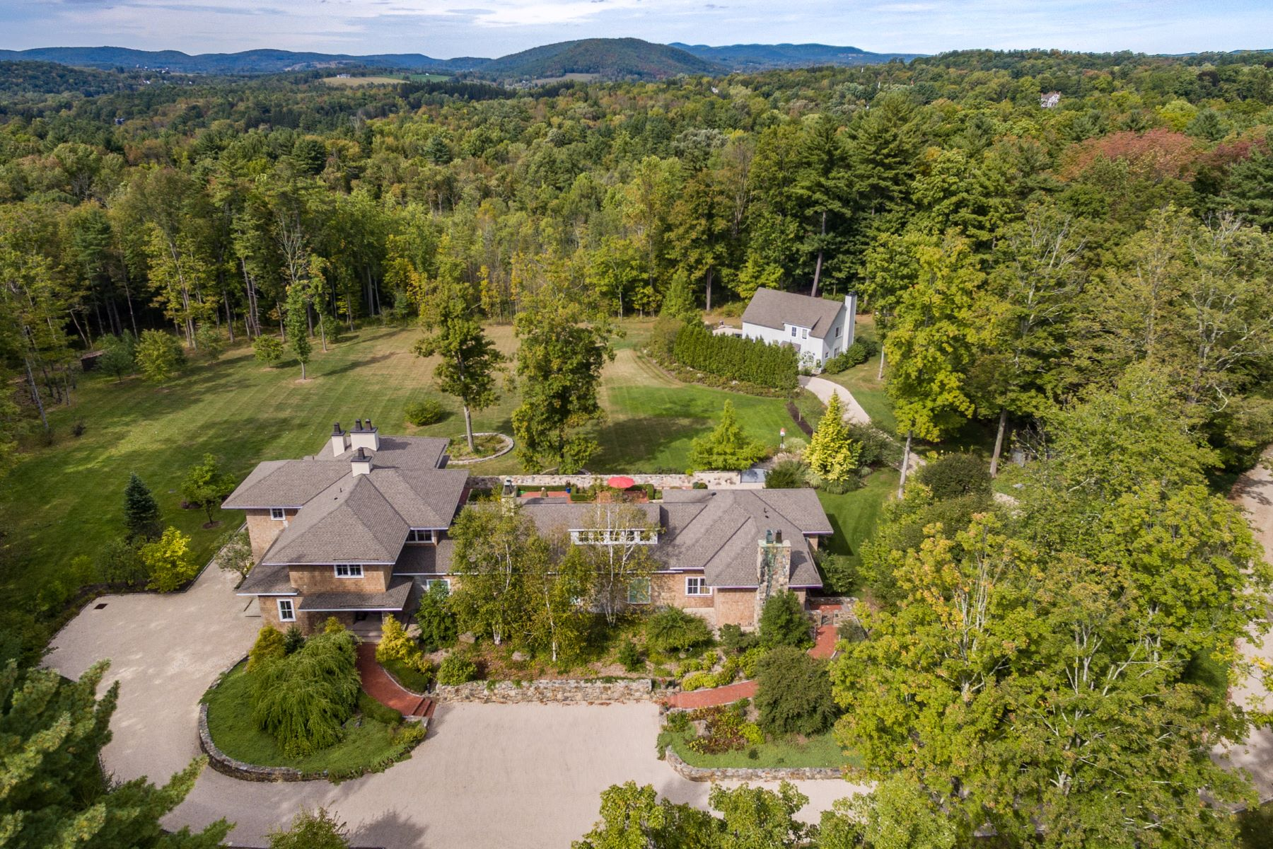 Single Family Home for Sale at Designed for the Art Collector 85 South Main St Sharon, Connecticut, 06069 United States