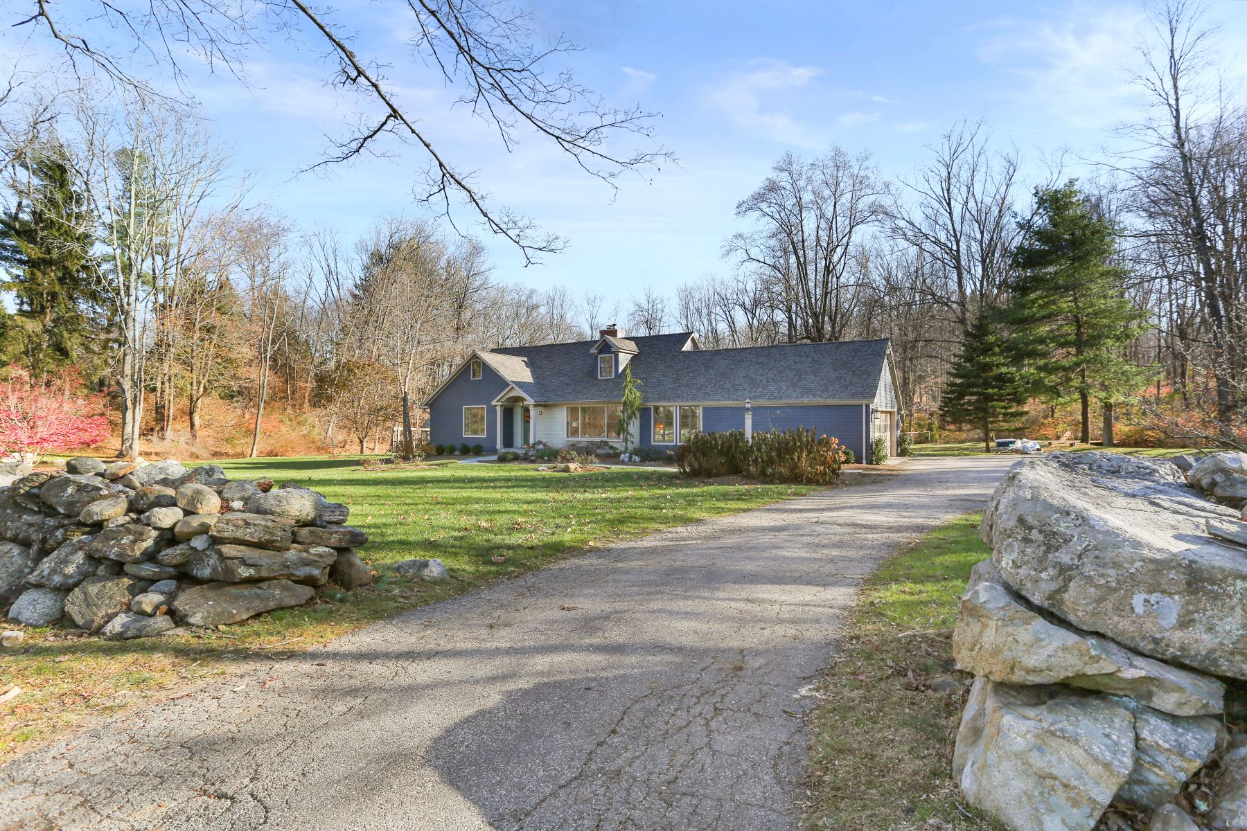 Single Family Homes for Sale at 10 Diamond Hill Road Redding, Connecticut 06896 United States