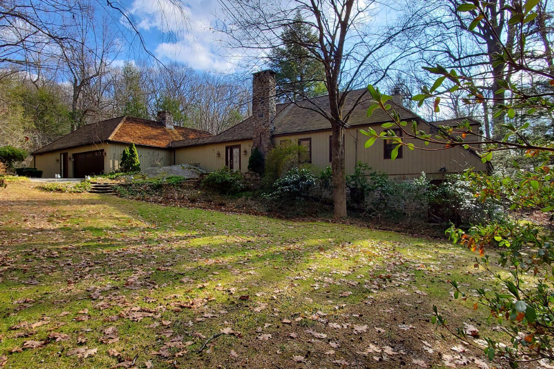 Single Family Homes per Vendita alle ore Exceptional Modern 52 Goodridge Road Redding, Connecticut 06896 Stati Uniti
