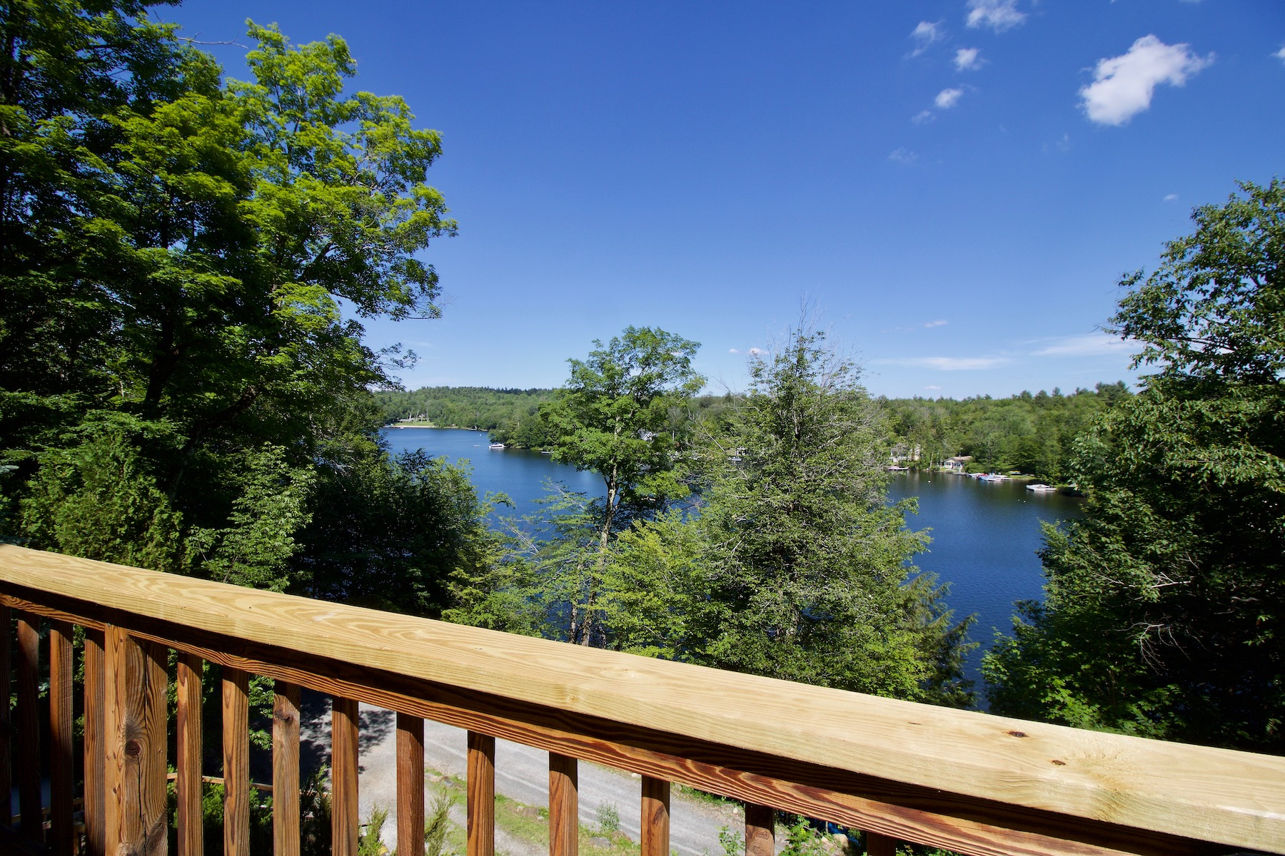 Single Family Homes για την Πώληση στο Stunning Waterfront Home with Breathtaking Views of Becket's Premier Lake! 229 South Cove Dr, Becket, Μασαχουσετη 01223 Ηνωμένες Πολιτείες