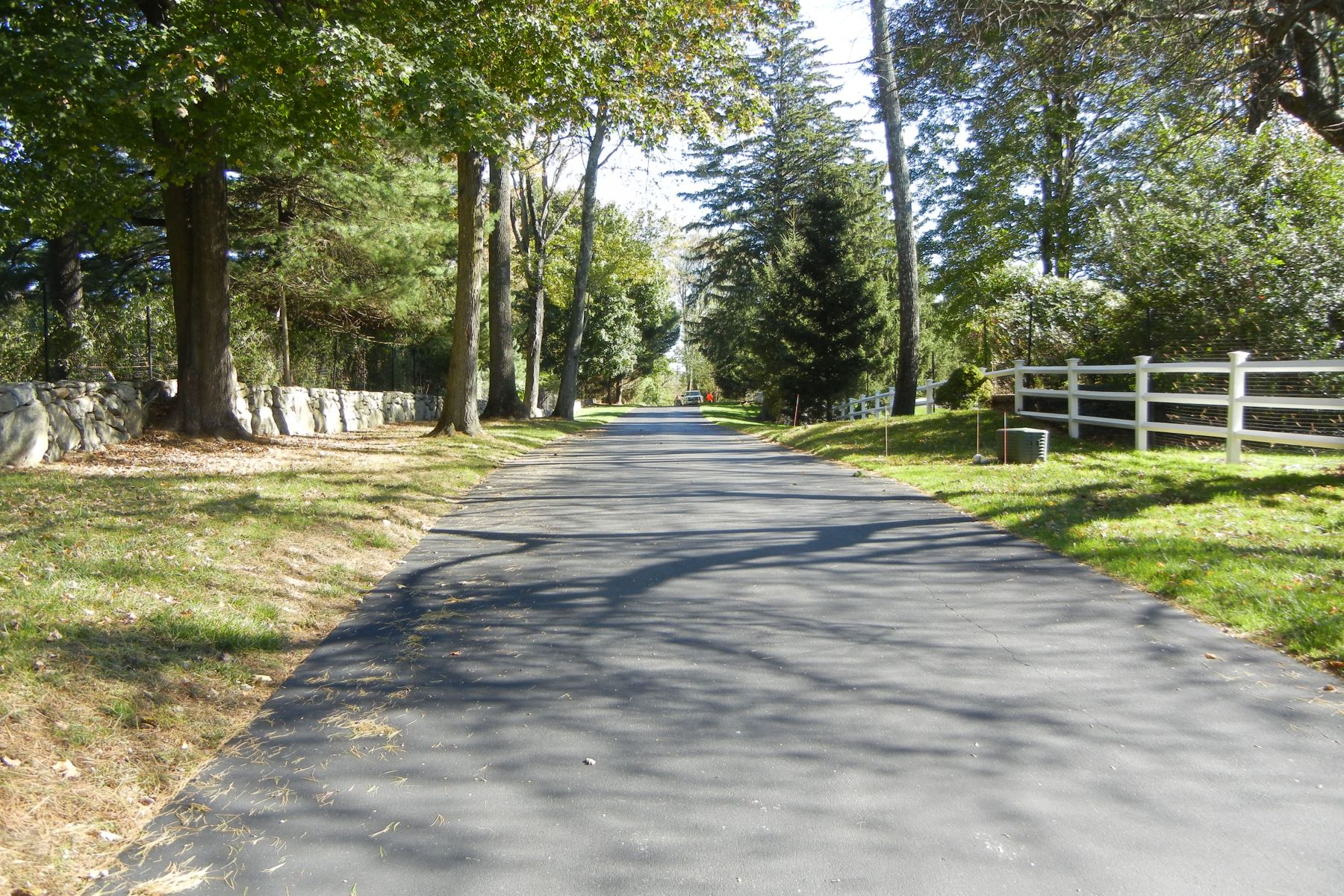 Land for Sale at 729 Smith Ridge Road 729 Smith Ridge Road New Canaan, Connecticut 06840 United States
