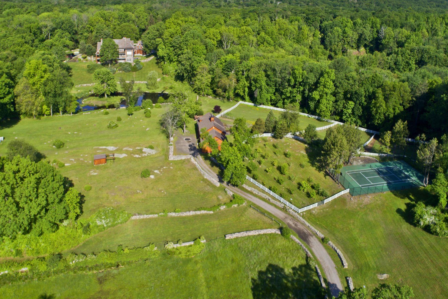 Terrain pour l Vente à OWN THE EXTRAORDINARY 23 Carrington Drive Greenwich, Connecticut 06831 États-Unis