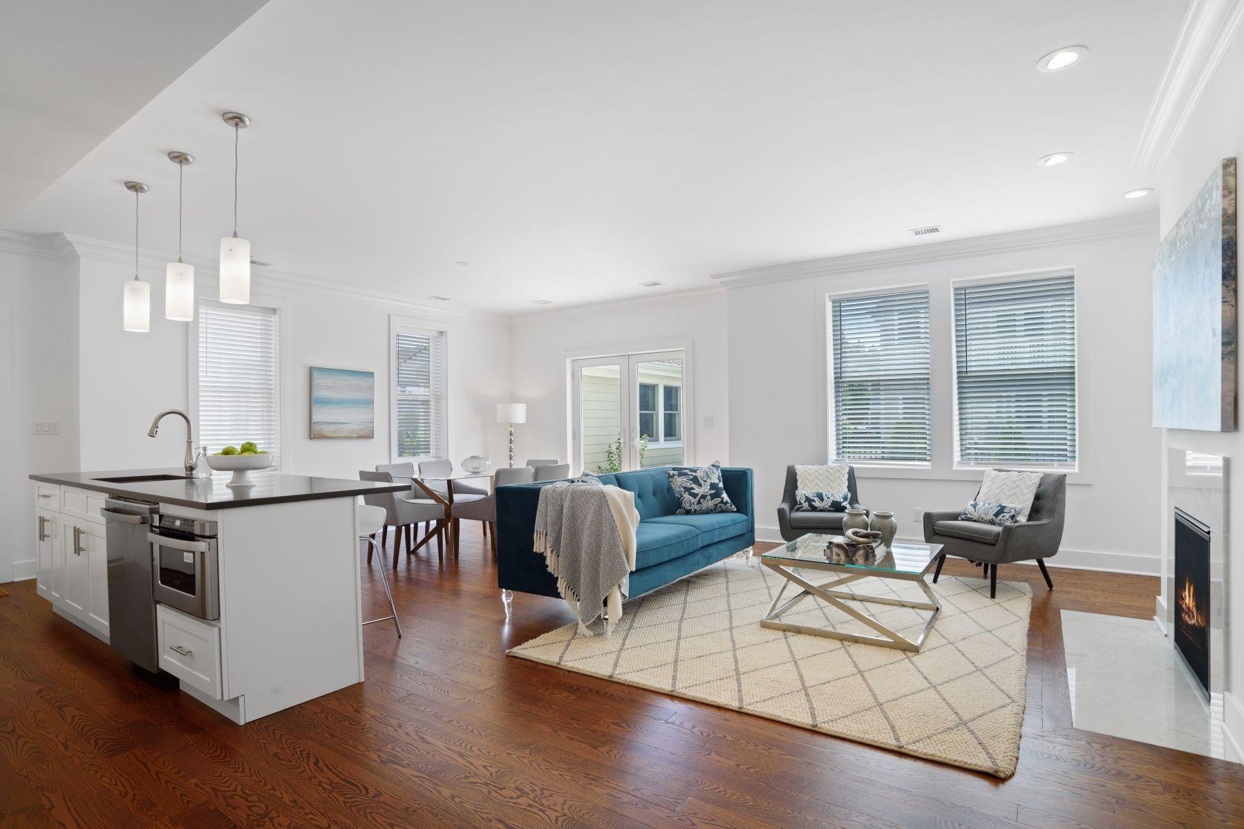 Condominiums 為 出售 在 On The Sound 26 Island Point, Bronx, 纽约 10464 美國