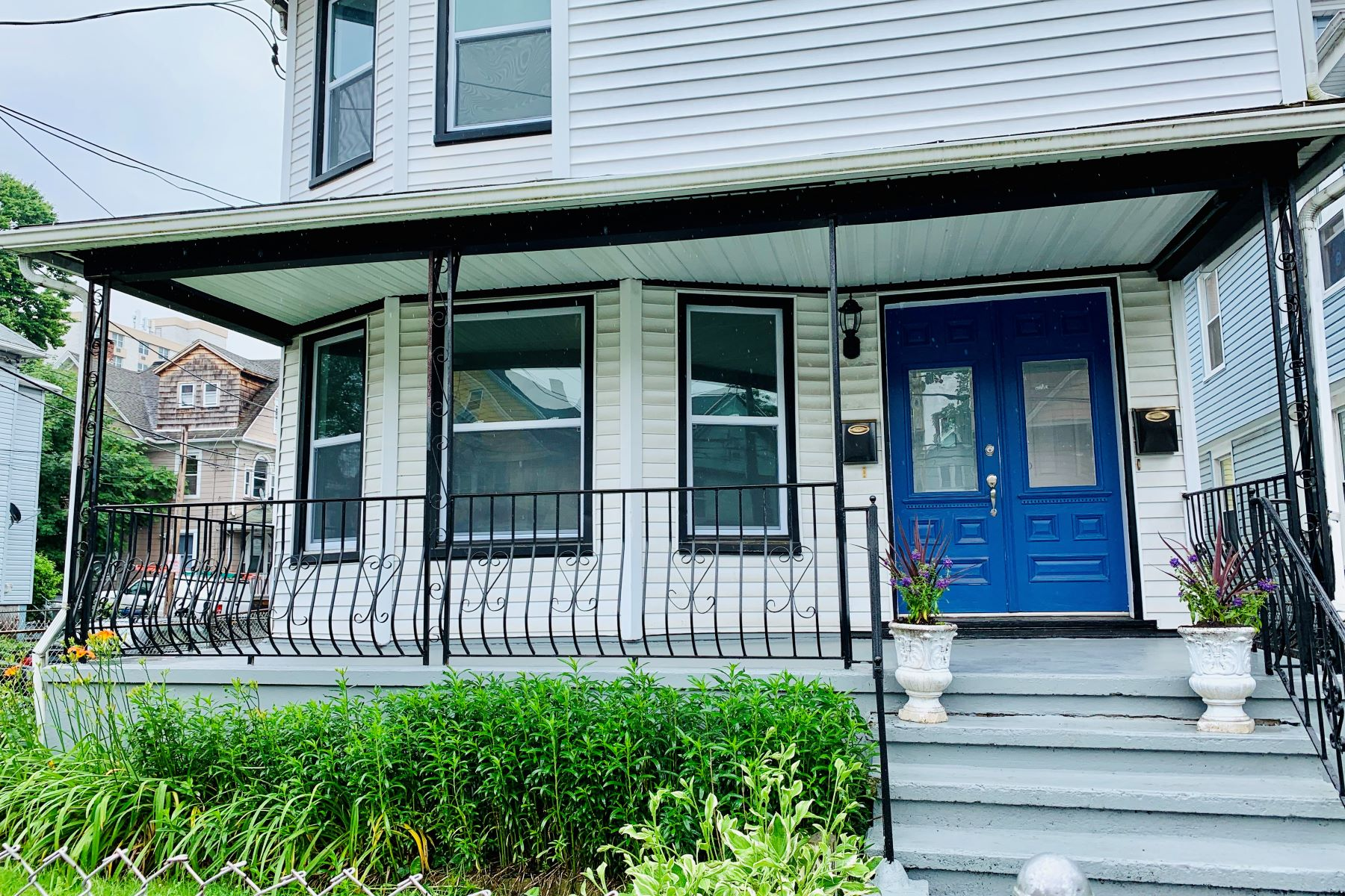 Multi-Family Homes for Sale at Renovated 2 Family 40 Washington Terrace Bridgeport, Connecticut 06604 United States