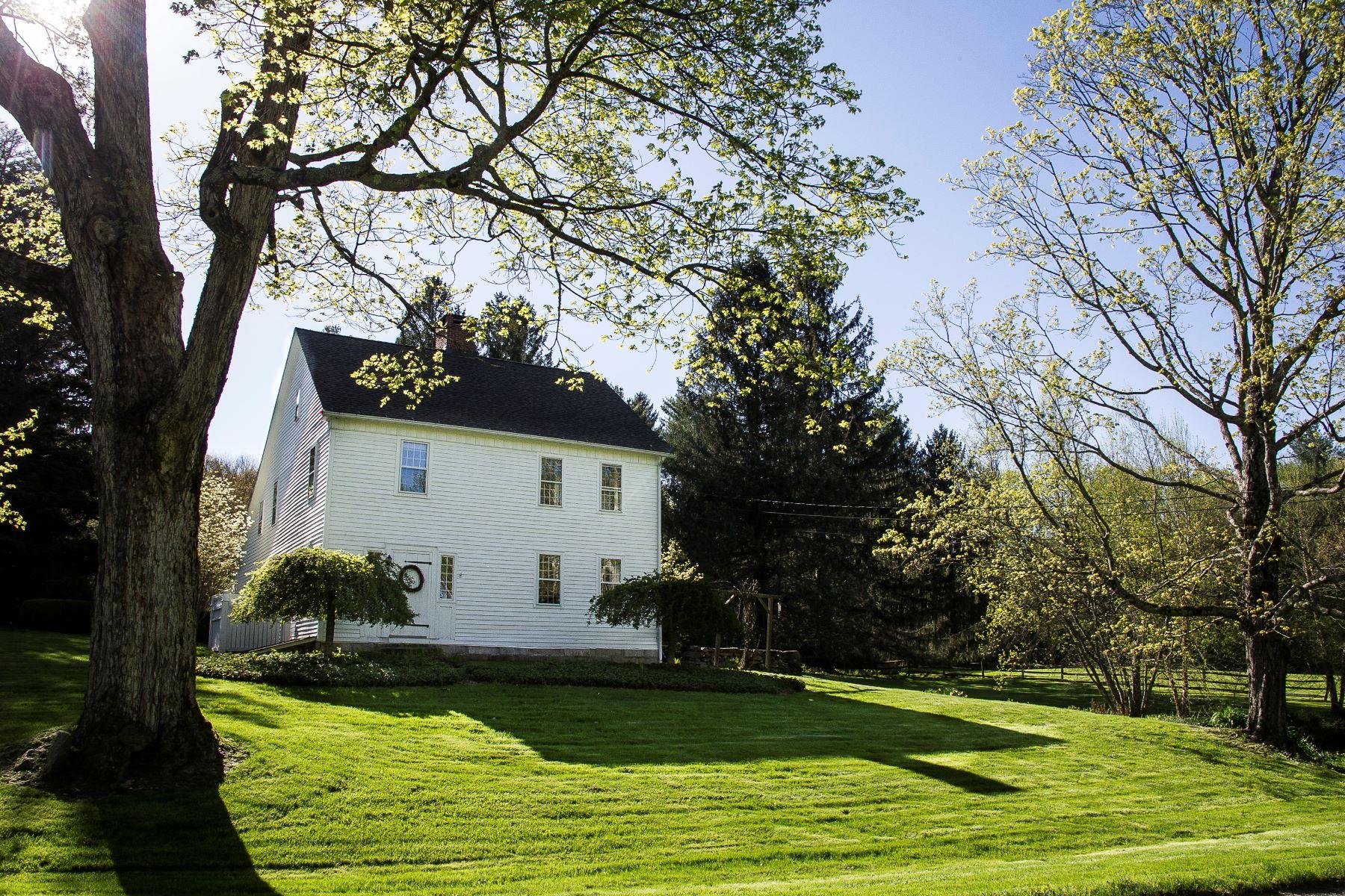 Single Family Homes для того Продажа на Woodbury, Коннектикут 06798 Соединенные Штаты