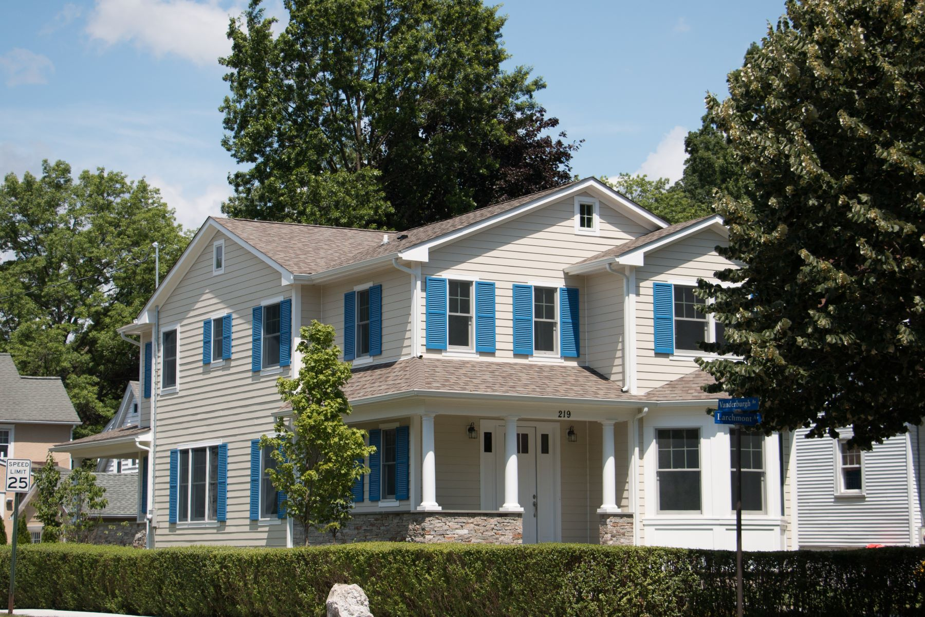 Single Family Homes for Active at 219 Larchmont Avenue Larchmont, New York 10538 United States