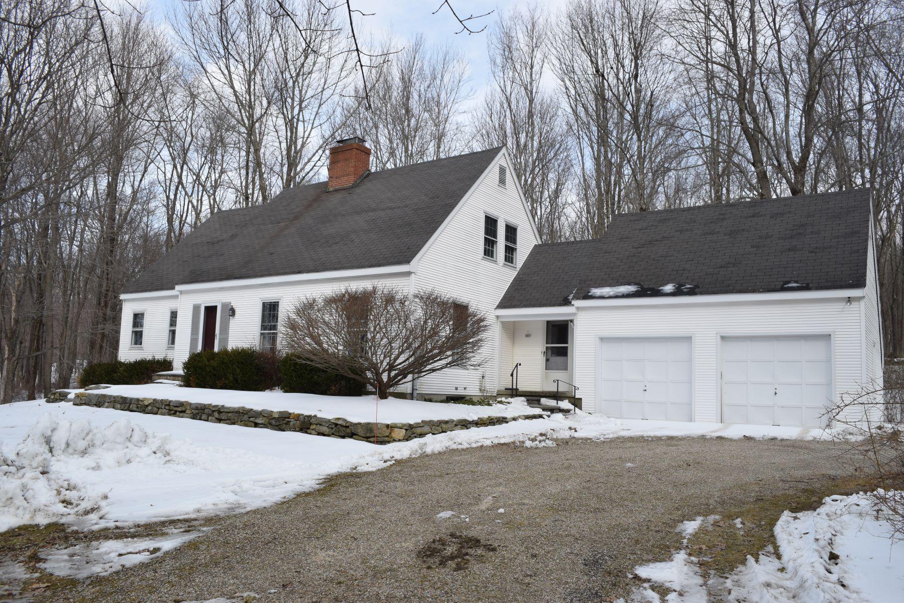 独户住宅 为 销售 在 Country Cape 3 Deer Run 莎伦, 康涅狄格州, 06069 美国