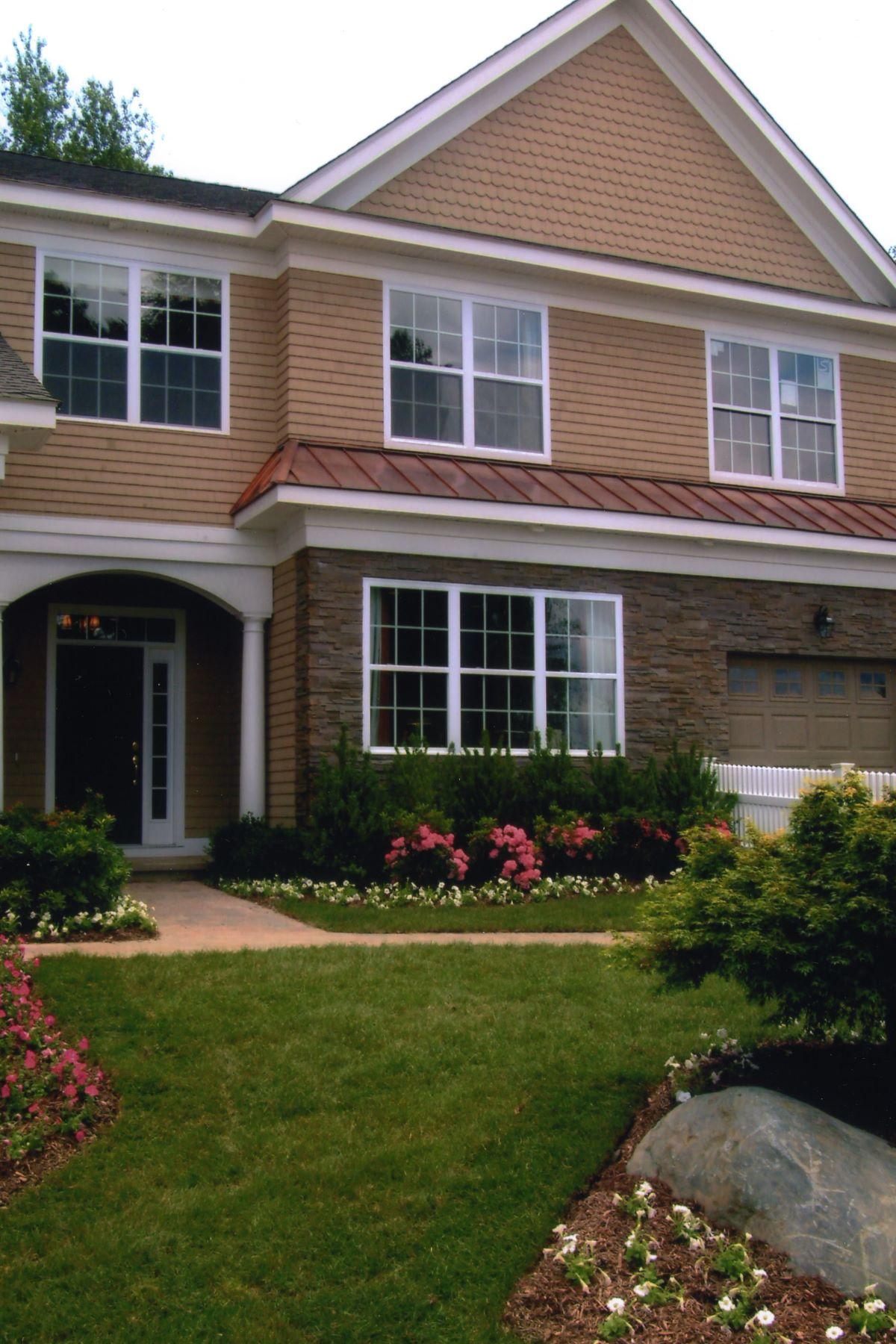 Maison unifamiliale pour l Vente à Luxury 4BR Townhouse 8 Haley Ln 102 Litchfield, Connecticut, 06759 États-Unis