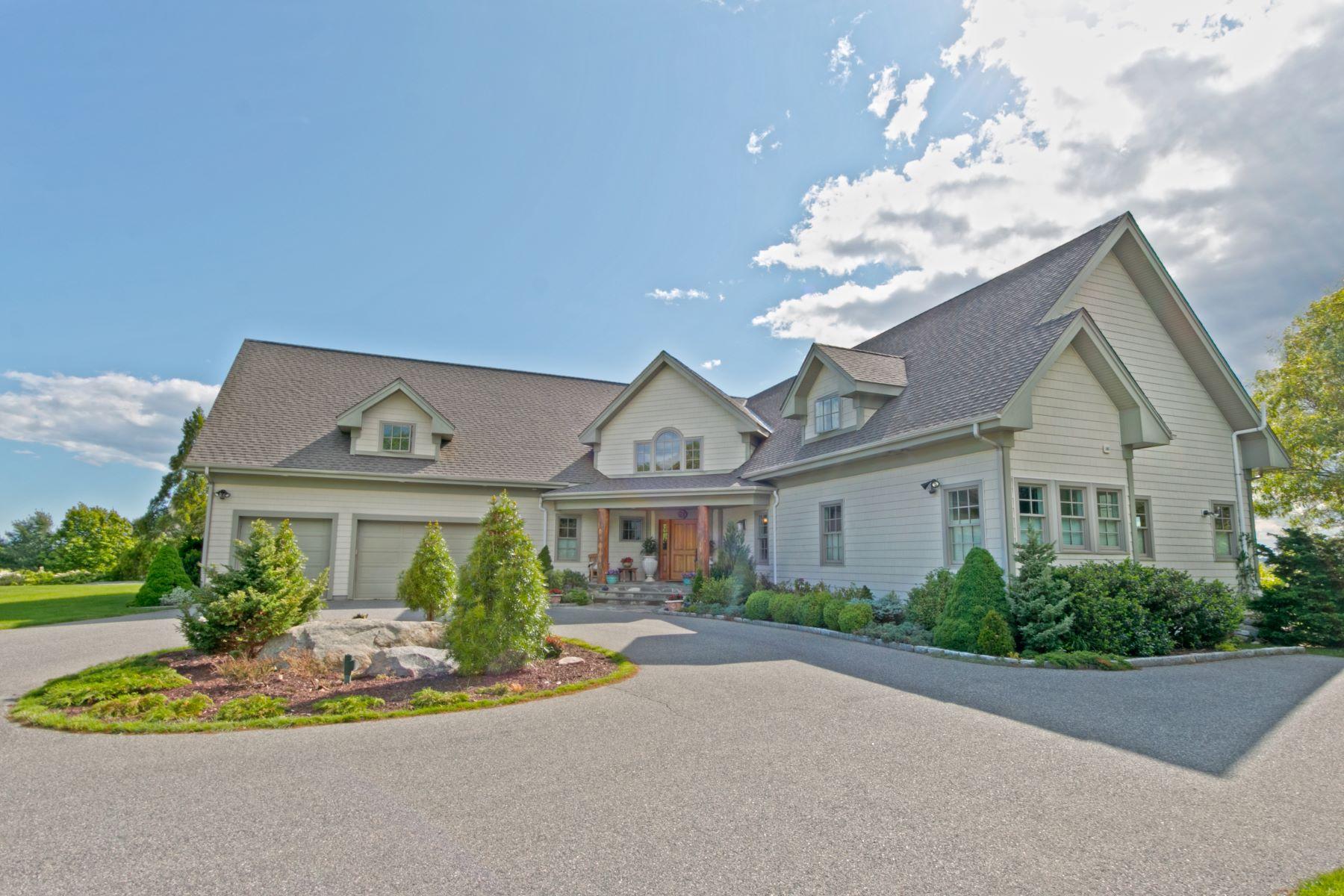 Single Family Homes por un Venta en Custom Built Post & Beam with Amazing Views! 23 Lambs Way Stonington, Connecticut 06378 Estados Unidos