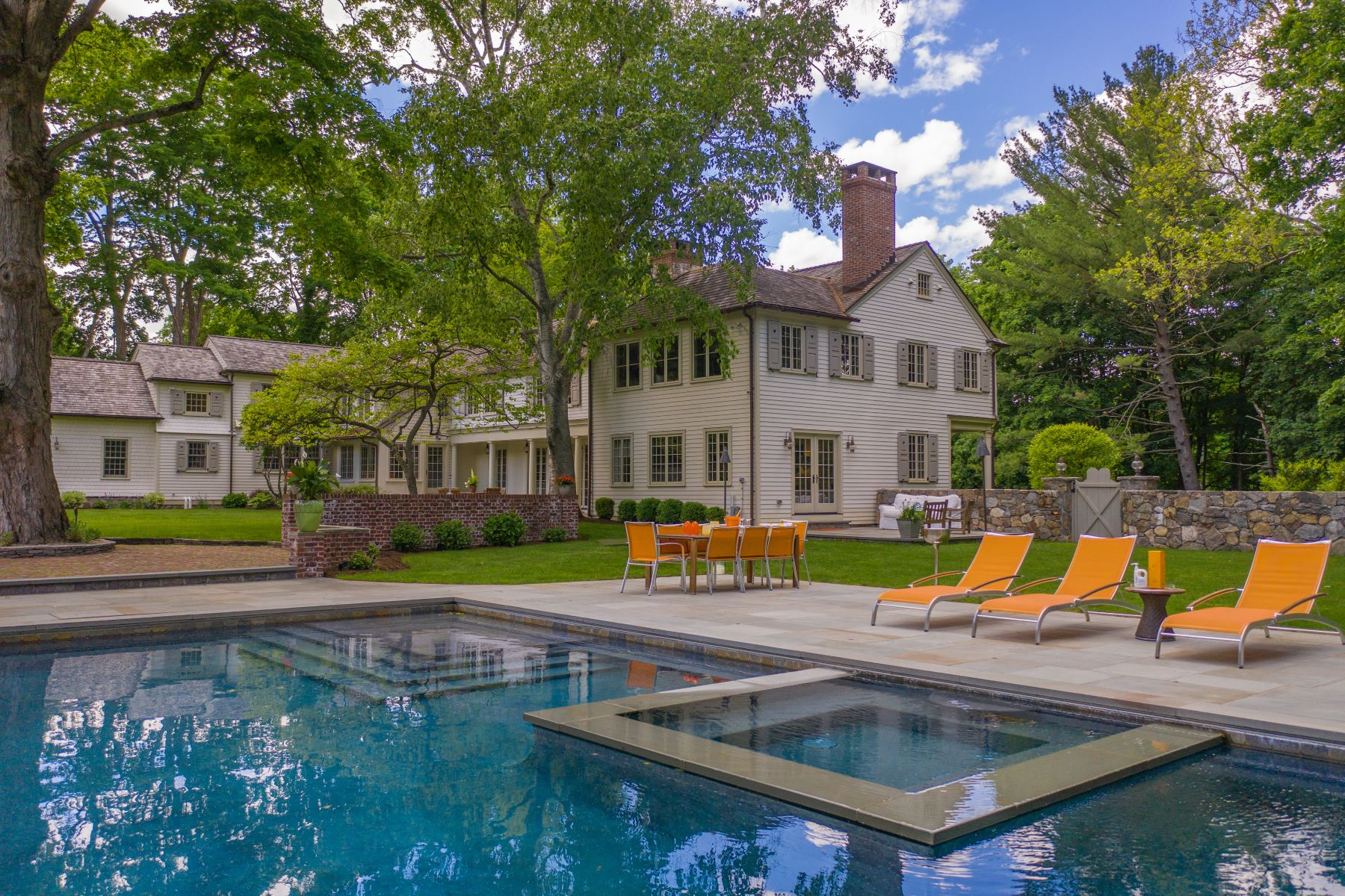Single Family Homes للـ Sale في Sophisticated, Chic and Elegant Wilton Estate 67 Ridgefield Road, Wilton, Connecticut 06897 United States