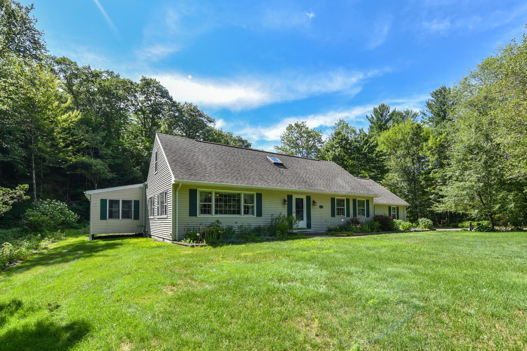 Single Family Homes for Sale at 73 West West Hill Road Barkhamsted, Connecticut 06063 United States