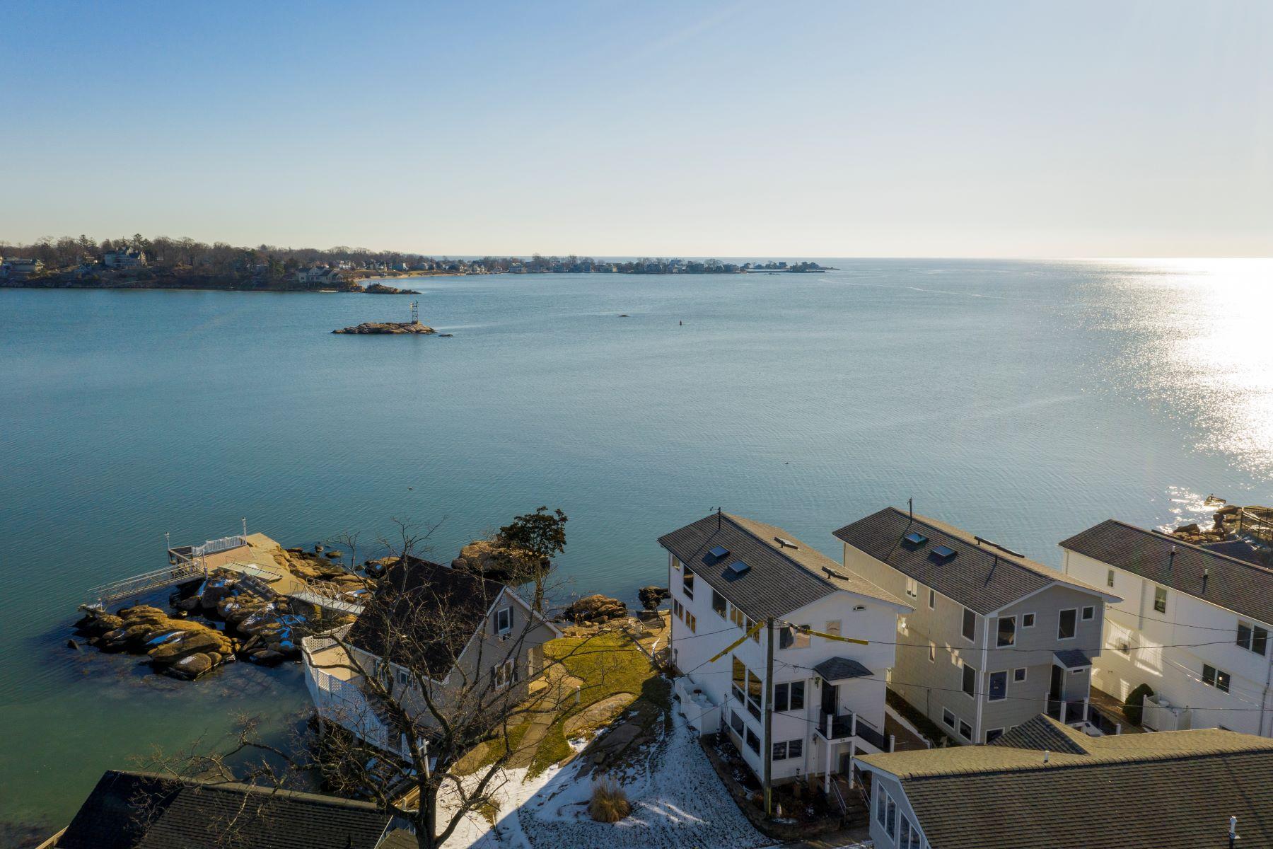 Single Family Homes vì Bán tại Branford, Connecticut 06405 Hoa Kỳ