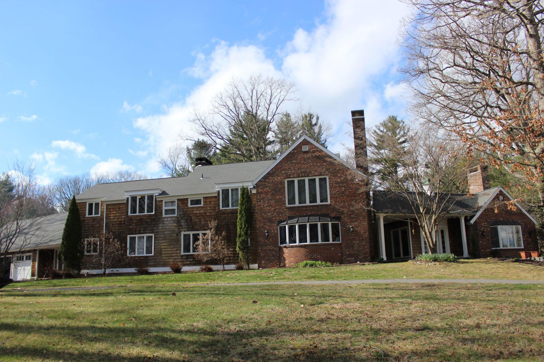 Maison unifamiliale pour l Vente à Laurel Hollow 85 Hutchinson Pkwy Litchfield, Connecticut, 06759 États-Unis