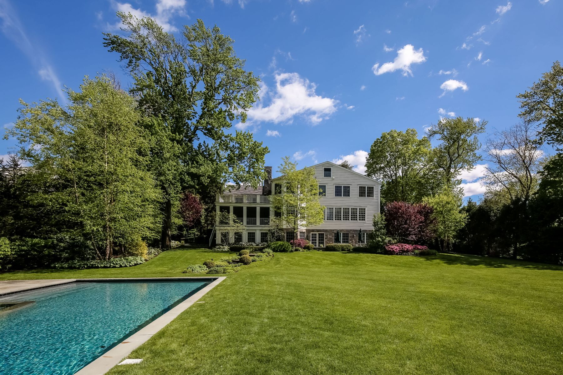 Single Family Home for Sale at Beautifully Renovated Residence in Scarsdale 35 Cushman Road Scarsdale, New York 10583 United States